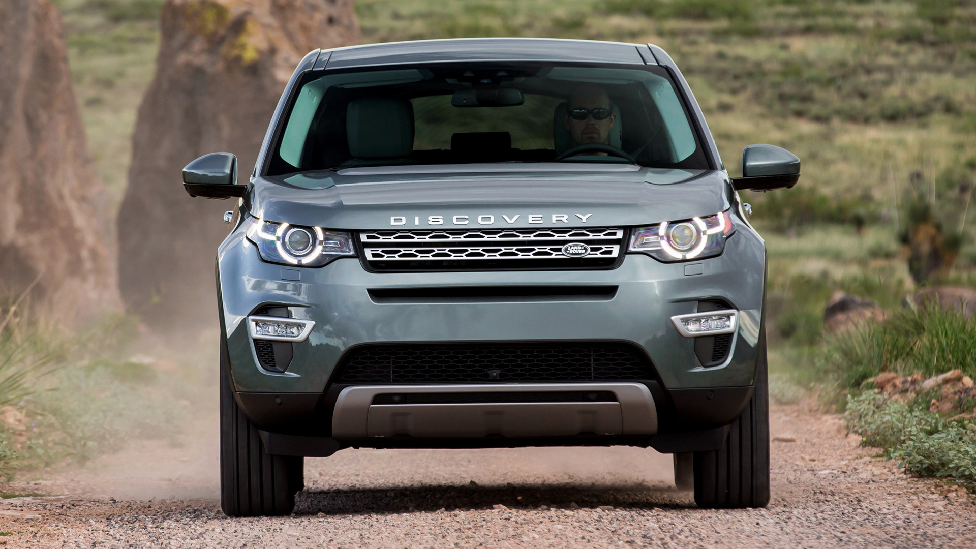 2016 land rover discovery iv pictures information and. Black Bedroom Furniture Sets. Home Design Ideas