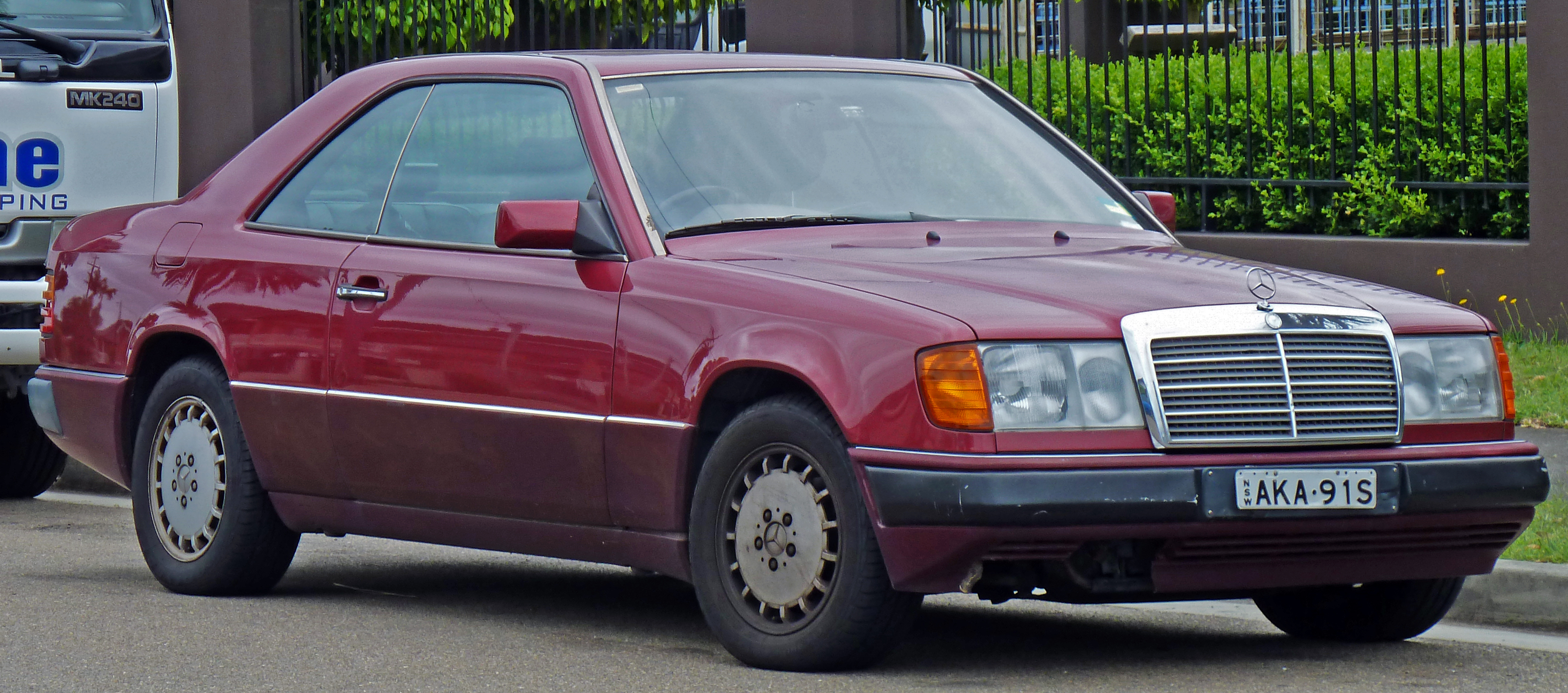 Cars mercedes w124 coupe 1990