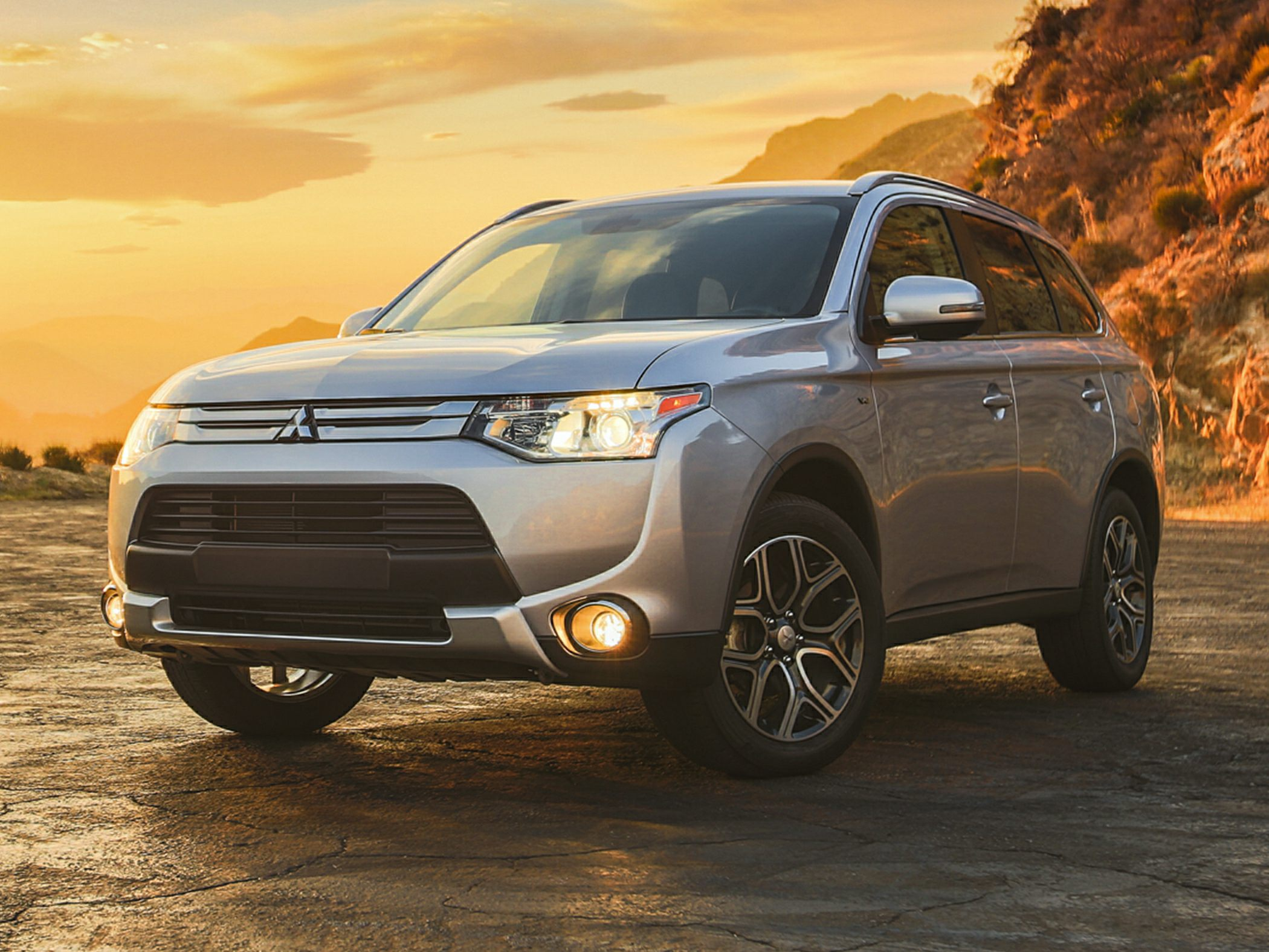 2015 Mitsubishi Endeavor Pictures Information And Specs