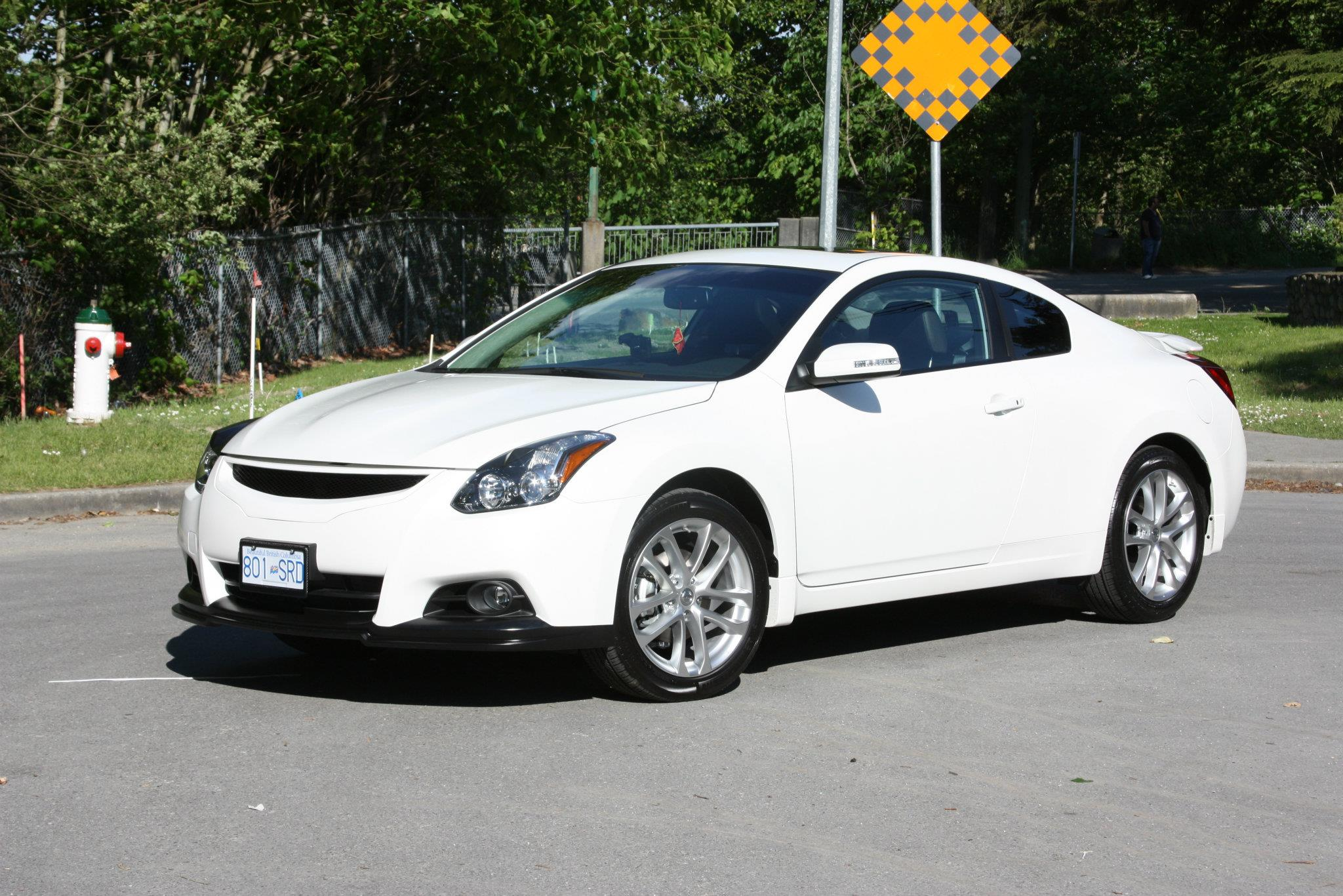 2012 nissan altima iv pictures information and specs. Black Bedroom Furniture Sets. Home Design Ideas