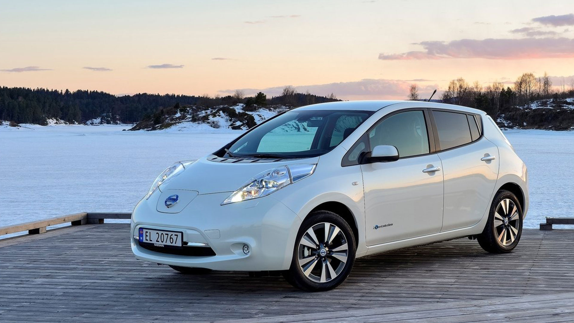 2016 nissan leaf pictures information and specs auto. Black Bedroom Furniture Sets. Home Design Ideas