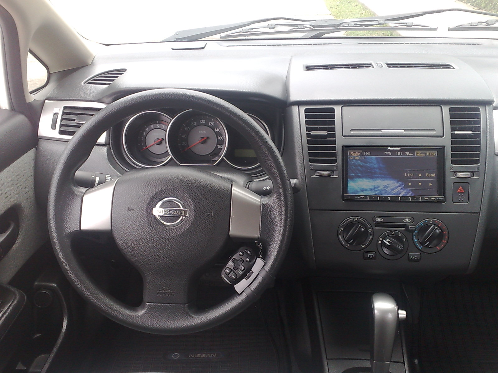 2008 Nissan Tiida Sedan Pictures Information And Specs