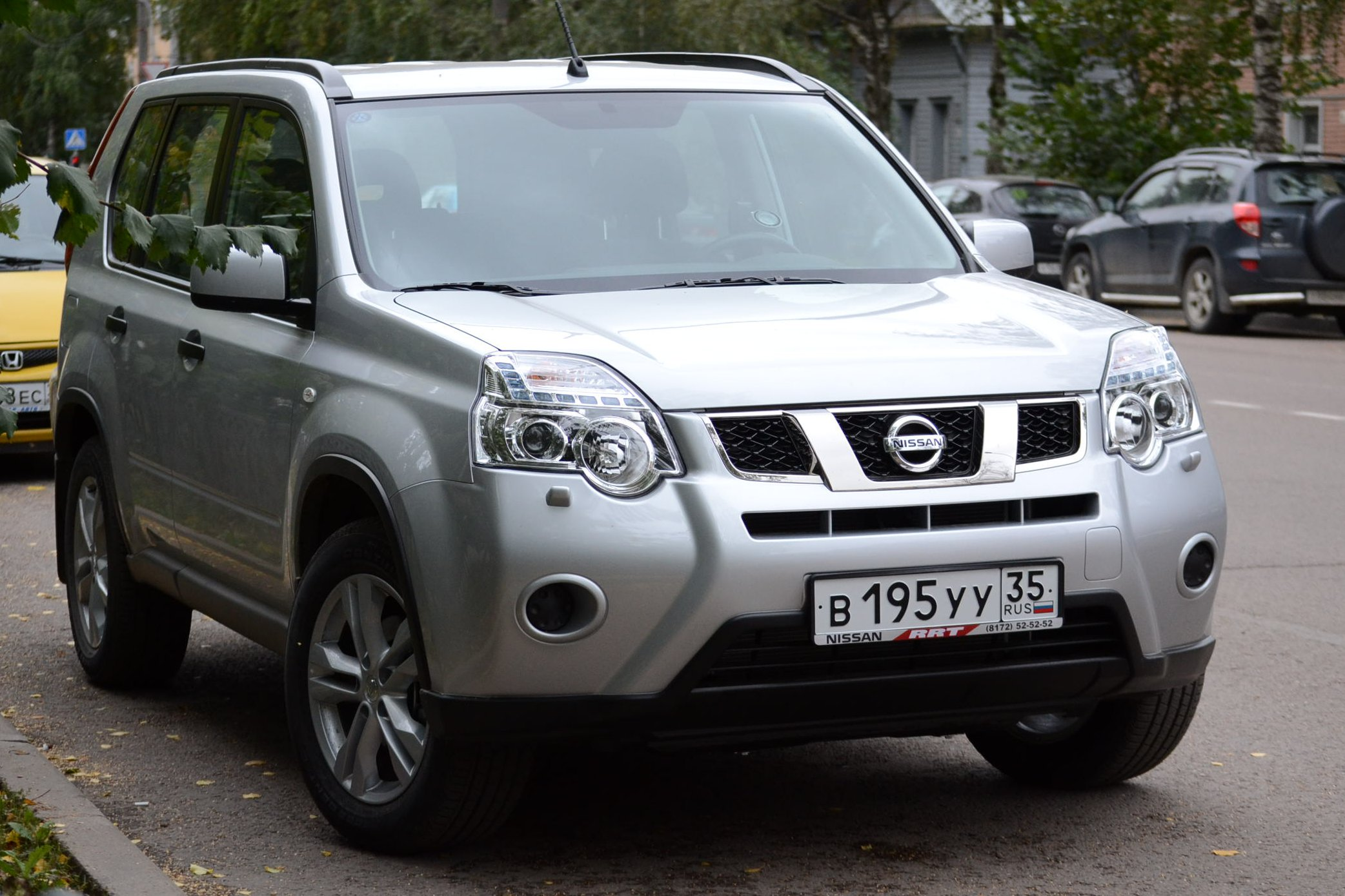 2012 nissan x trail 2 pictures information and specs auto. Black Bedroom Furniture Sets. Home Design Ideas