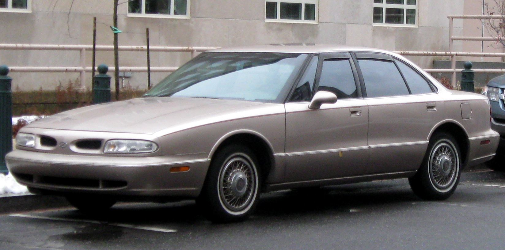 1996 Oldsmobile Eighty Eight Pictures Information And Specs 95 M3 Fuse Box Cars 5