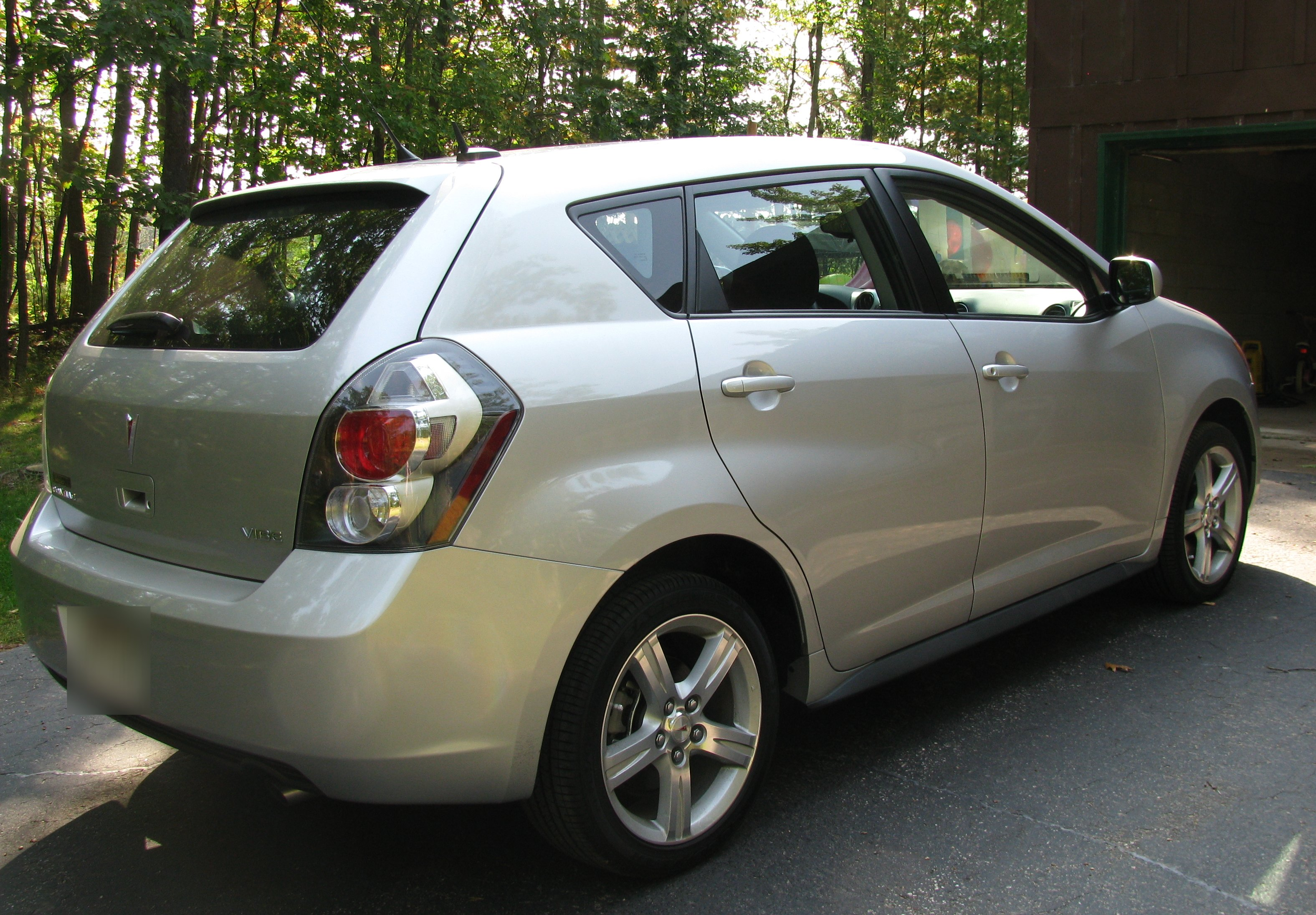 2009 pontiac vibe 2 pictures information and specs. Black Bedroom Furniture Sets. Home Design Ideas