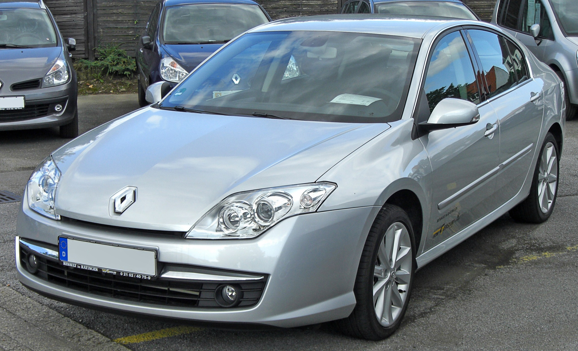 2010 renault laguna iii hatchback pictures information and specs auto. Black Bedroom Furniture Sets. Home Design Ideas
