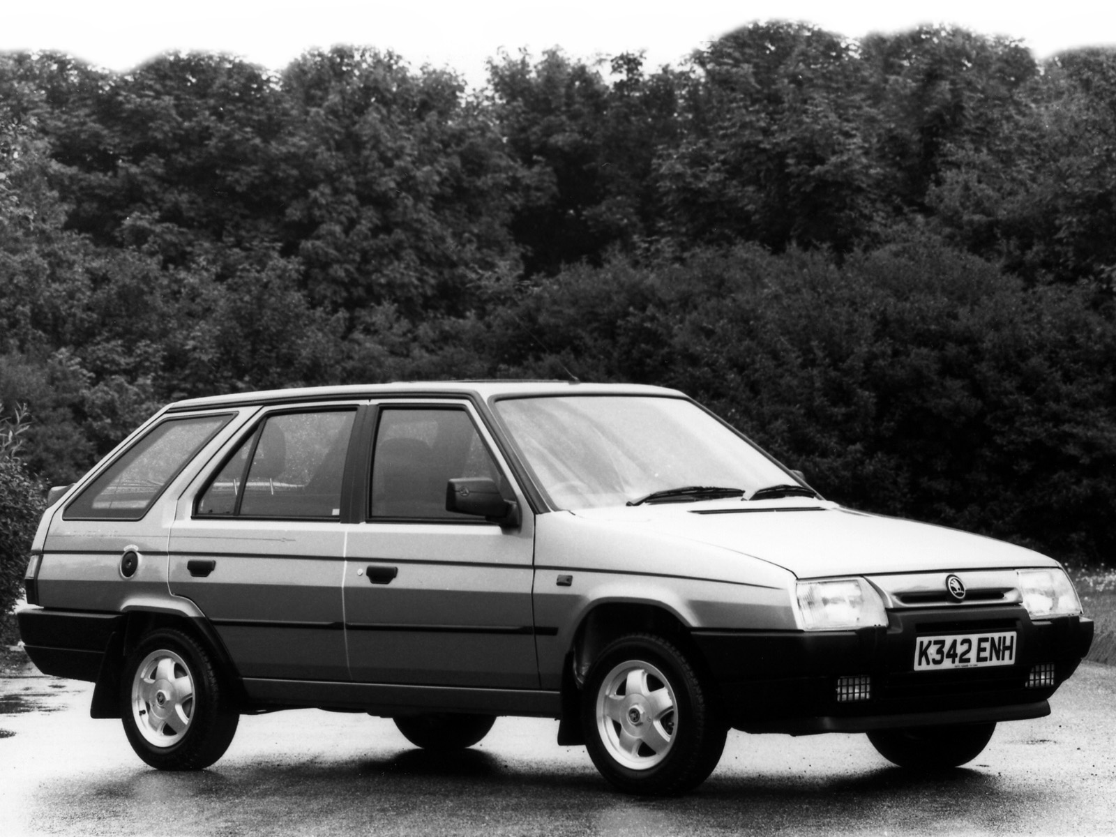 Cars skoda favorit forman (785) 1993