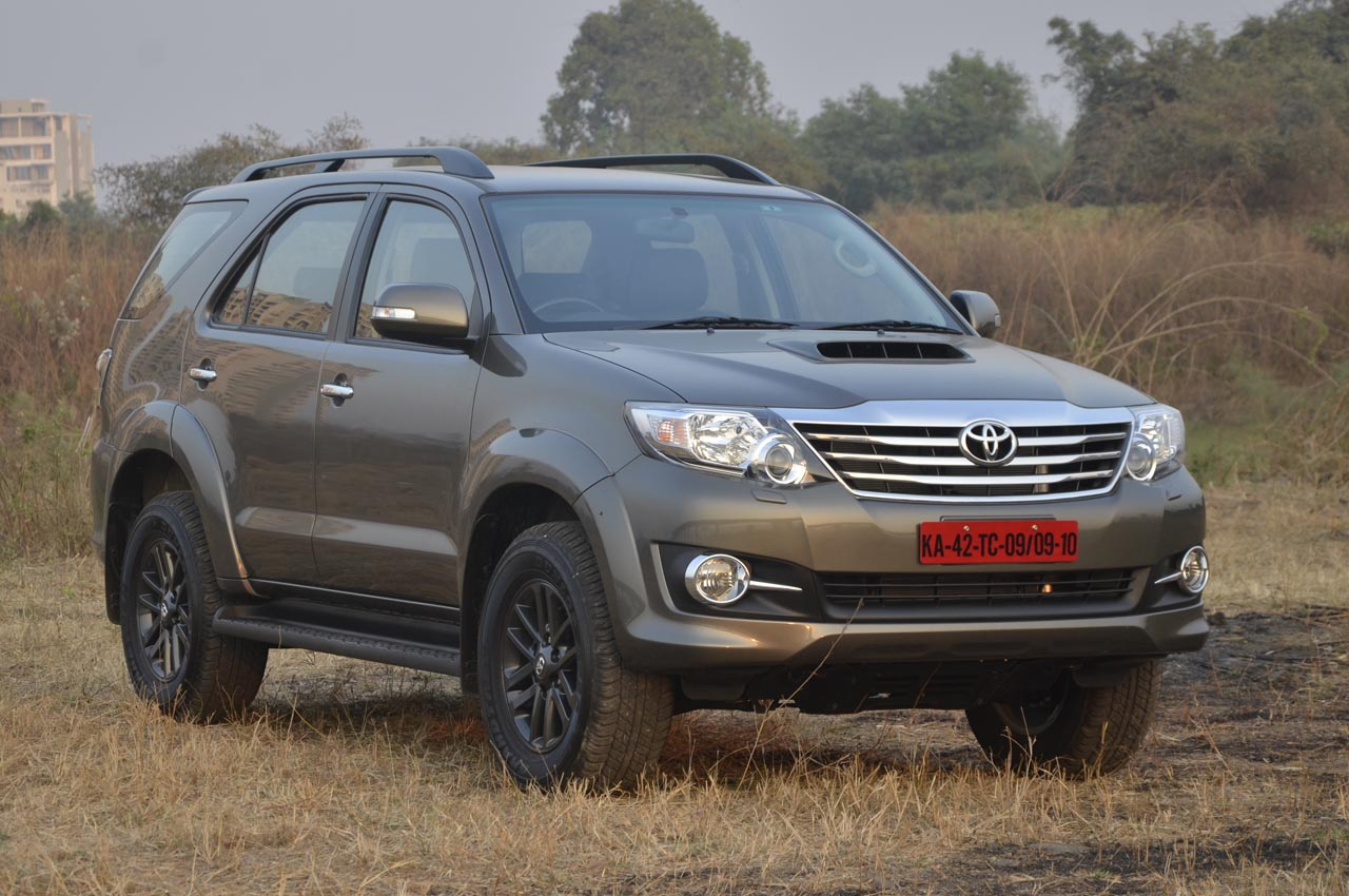 Cars toyota fortuner 2015