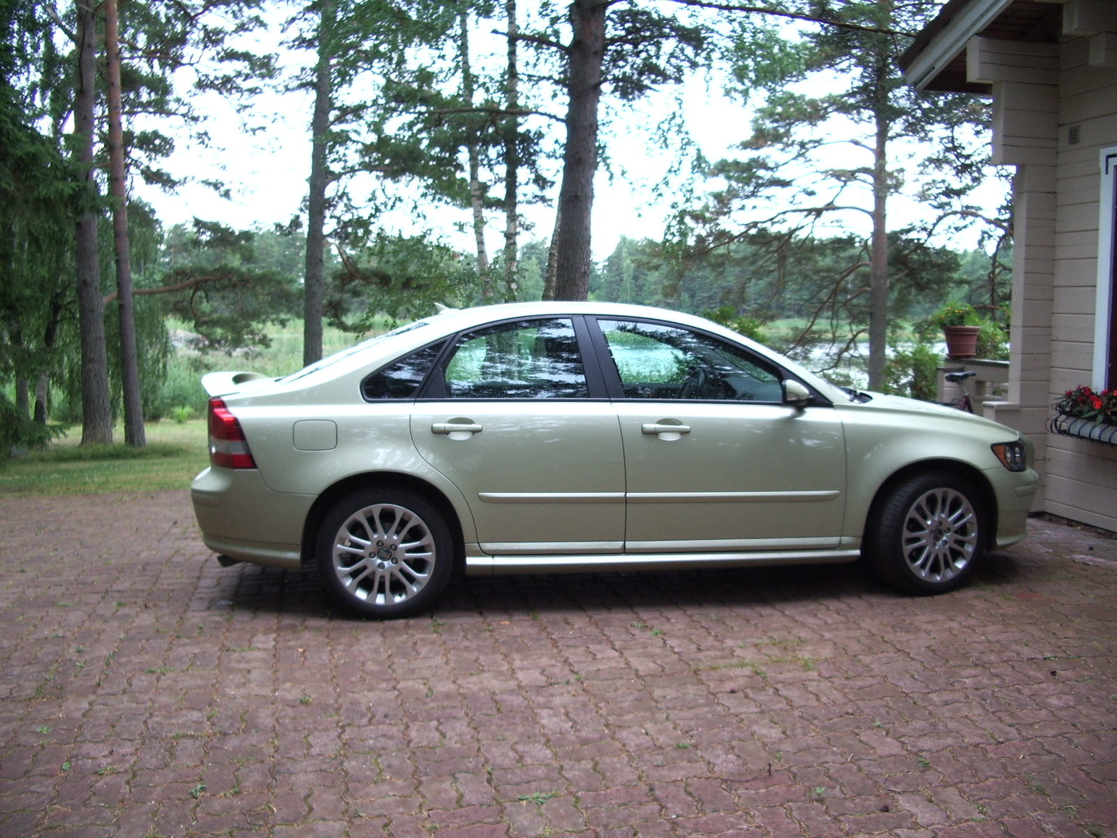 2005 volvo s40 ii pictures information and specs auto. Black Bedroom Furniture Sets. Home Design Ideas