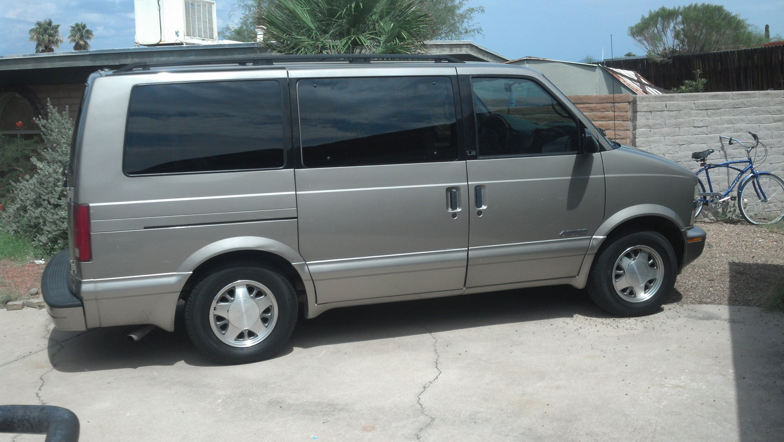 All Chevy 2001 chevy astro van : 2001 Chevrolet Astro – pictures, information and specs - Auto ...