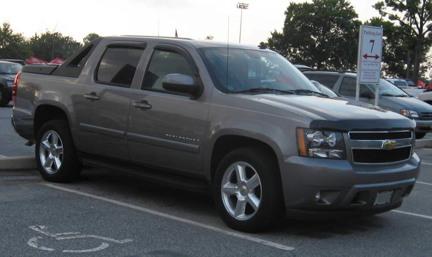 chevrolet avalanche images