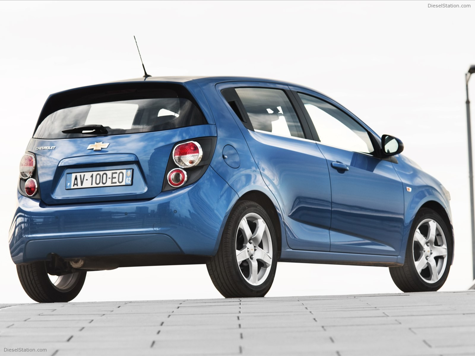 chevrolet aveo (ii) hatchback 2011 wallpaper #2