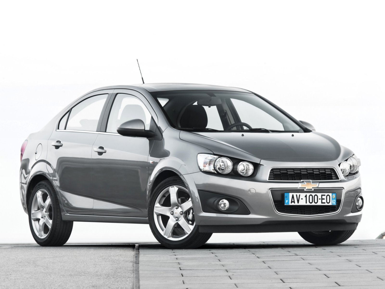 chevrolet aveo sedan 2014 images #14