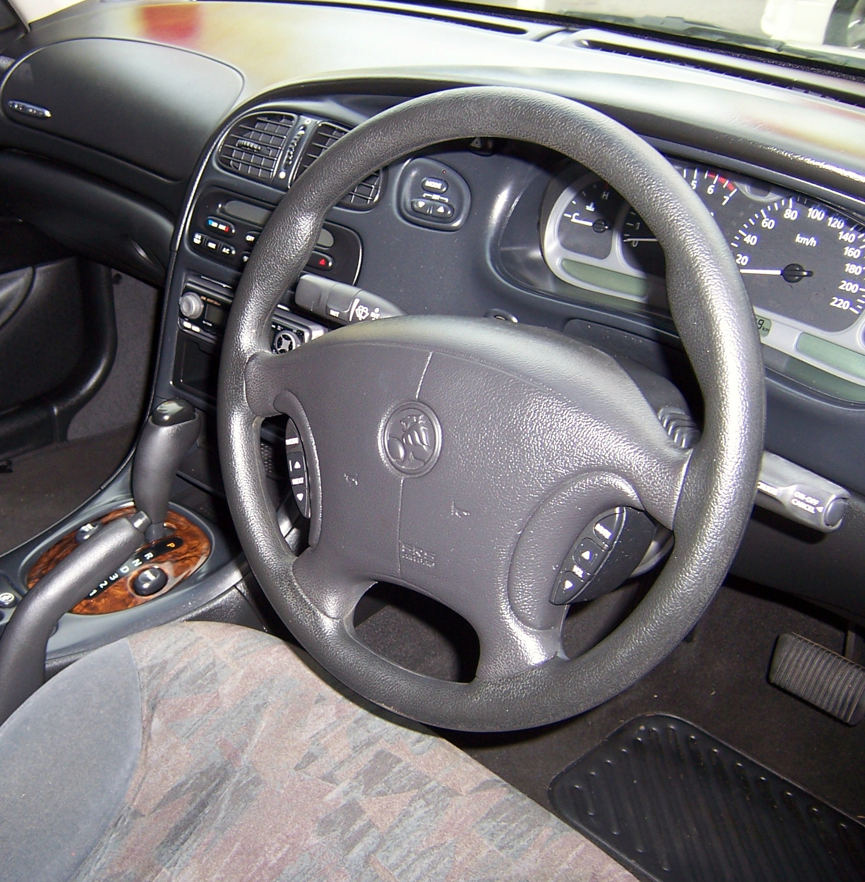 2005 Aston Martin Db9 Interior: Pictures, Information And