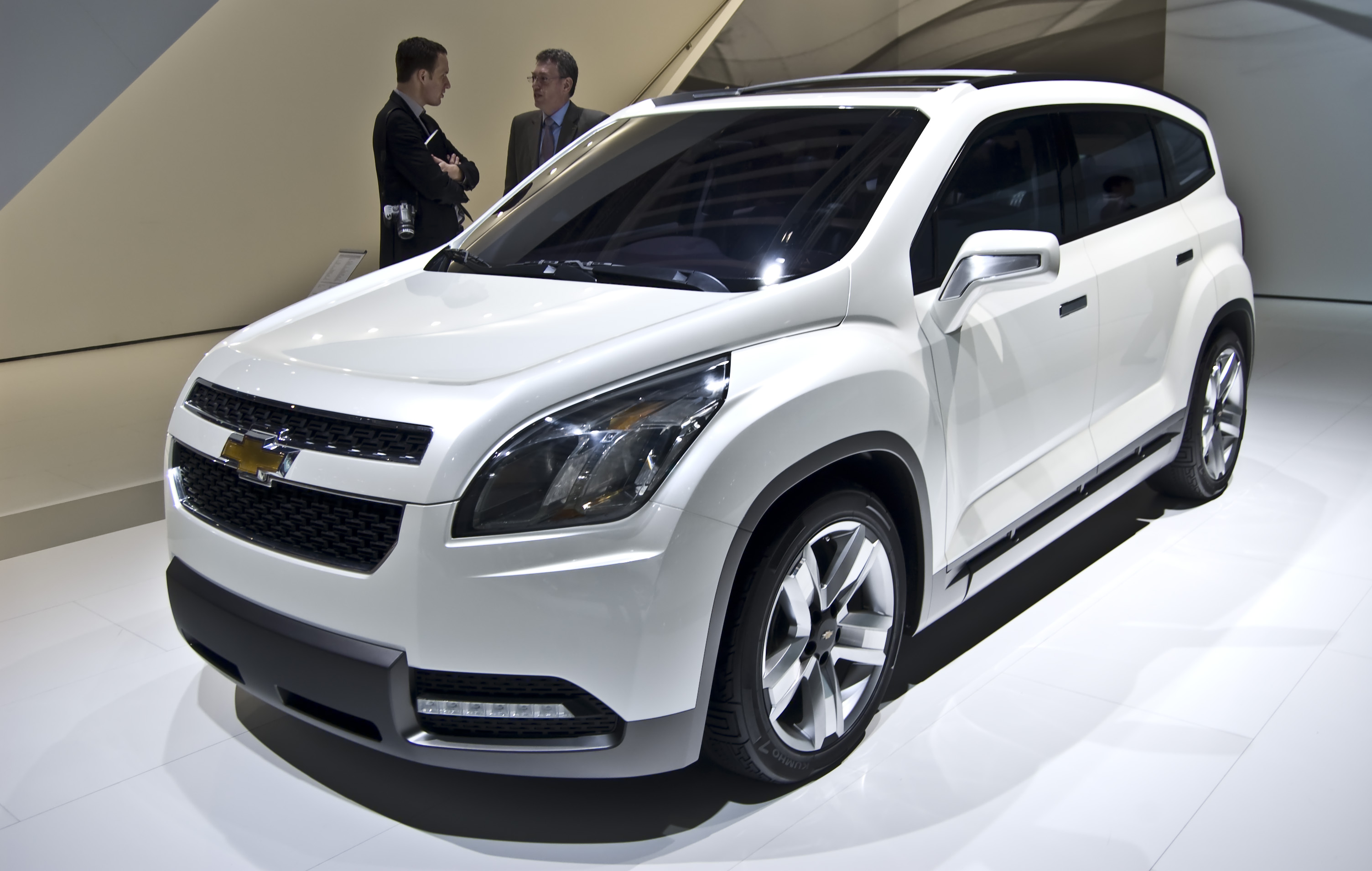 chevrolet orlando pictures information and specs auto. Black Bedroom Furniture Sets. Home Design Ideas
