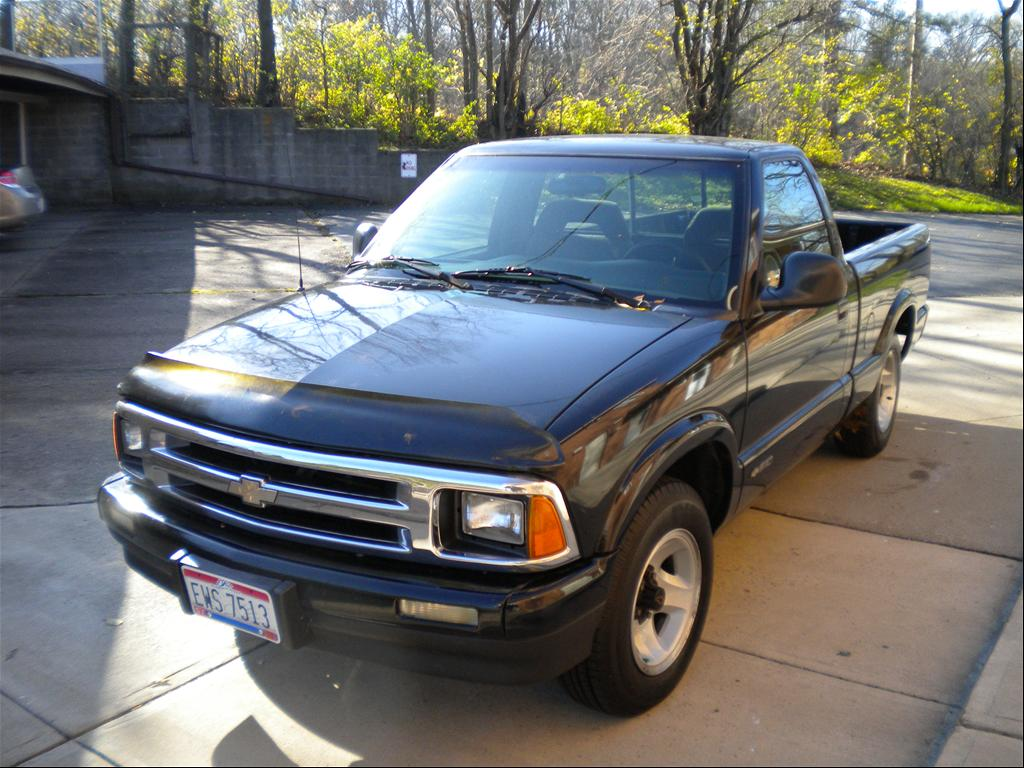1994 Chevrolet S-10 pickup – pictures, information and ...