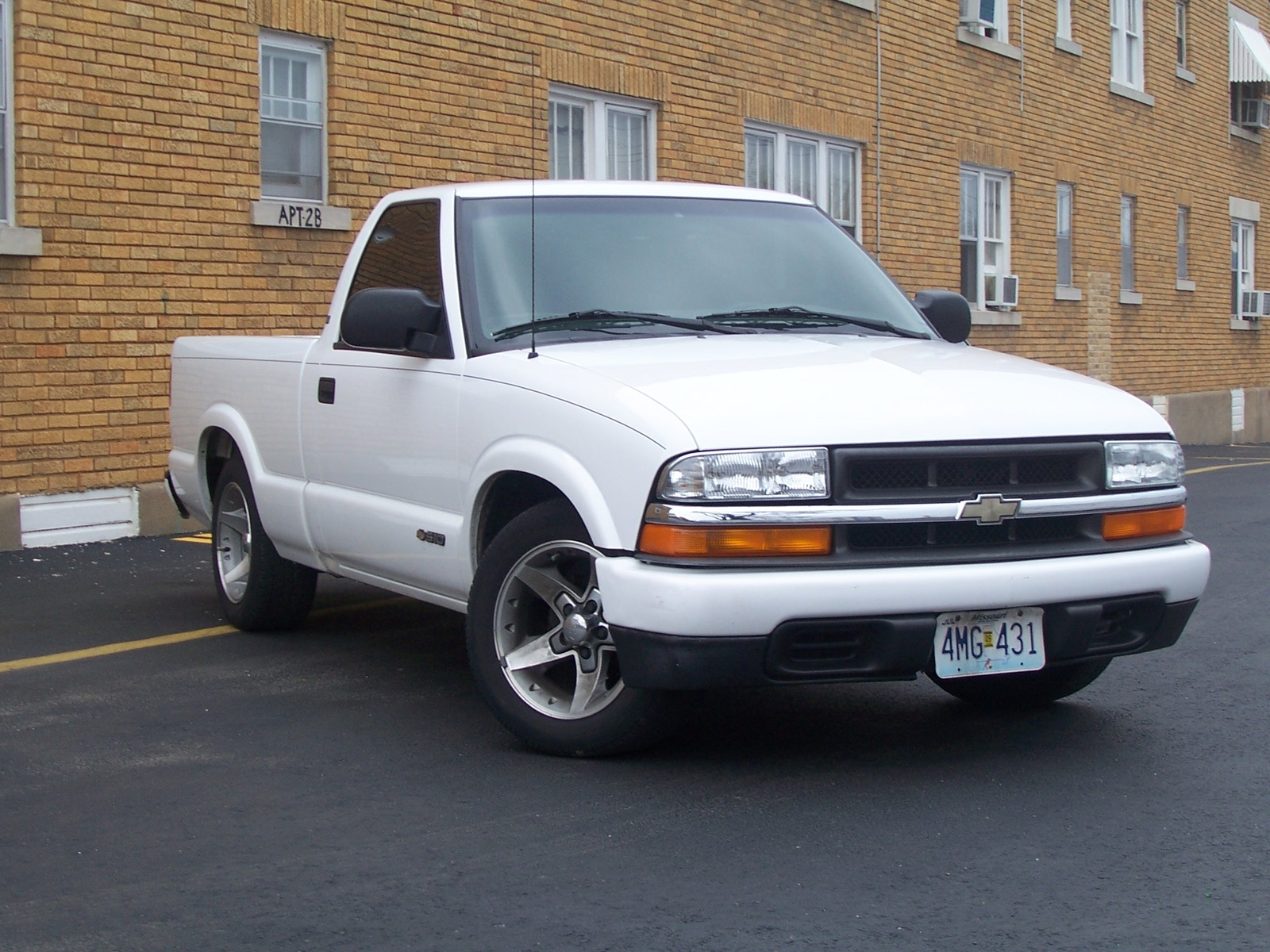 1998 Chevrolet S 10 Pickup Pictures Information And