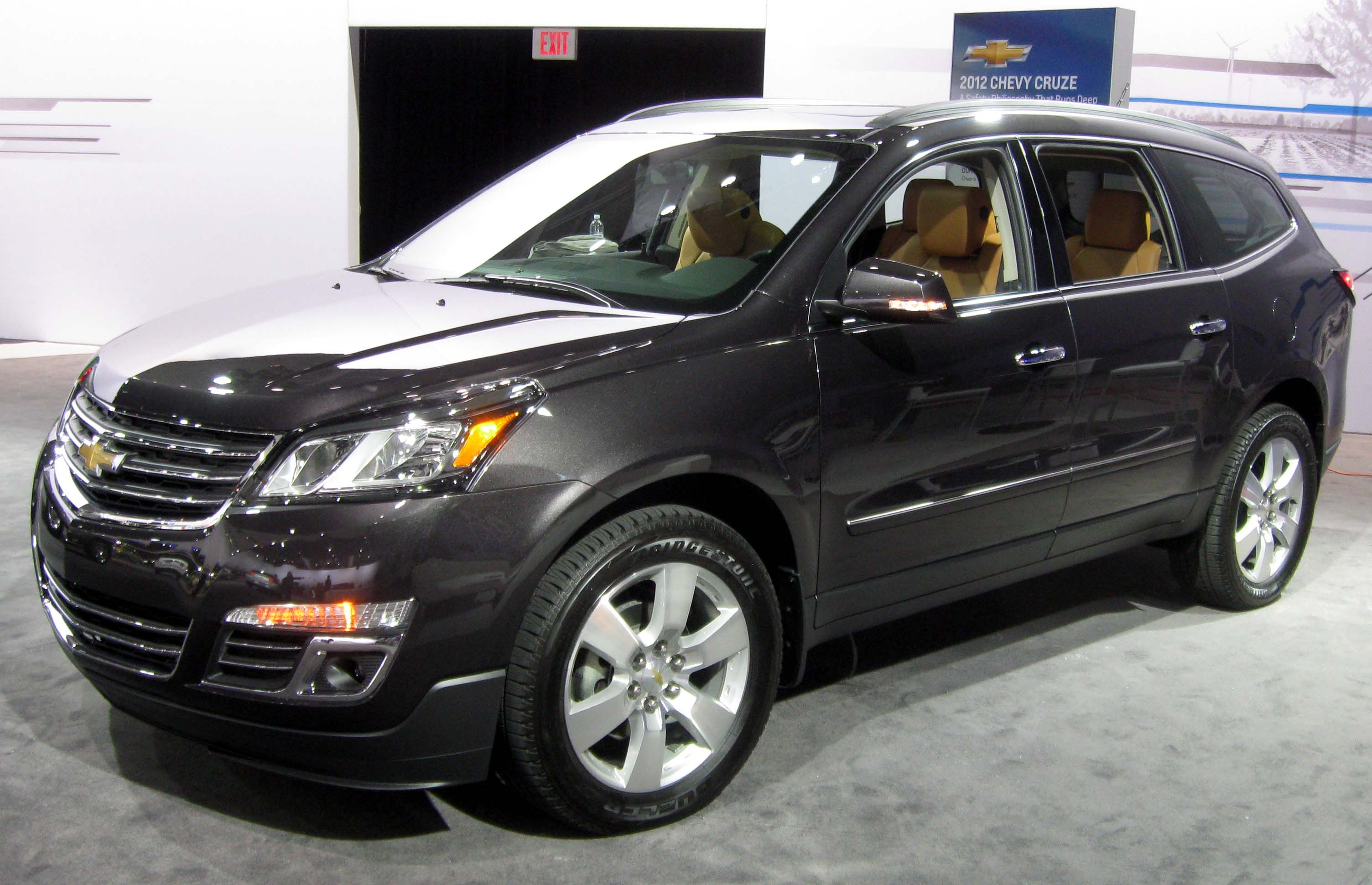 chevrolet traverse pictures