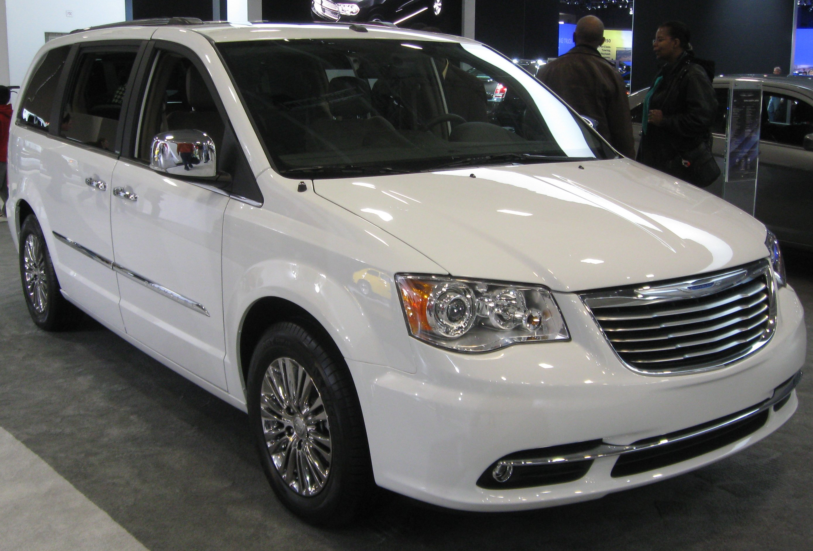 chrysler town & country #14