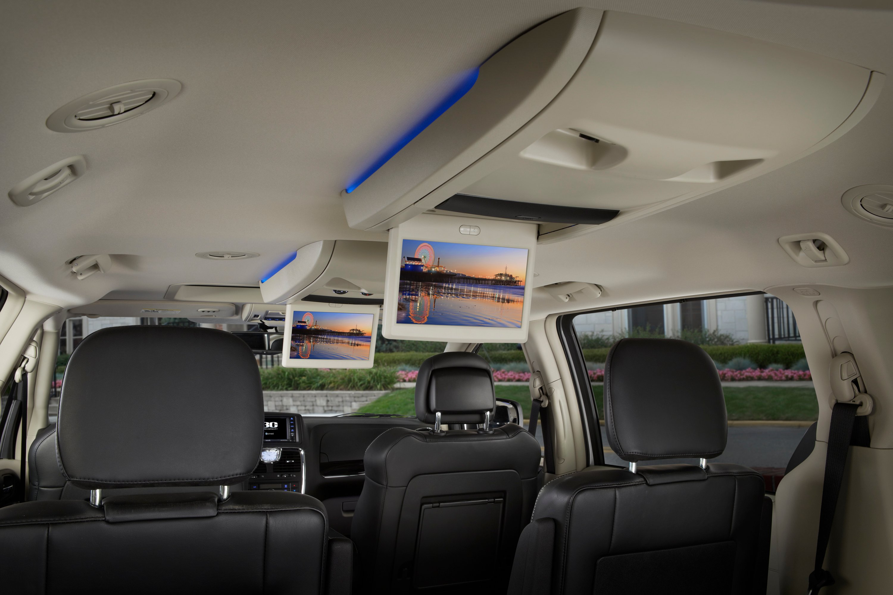 chrysler town & country images #12