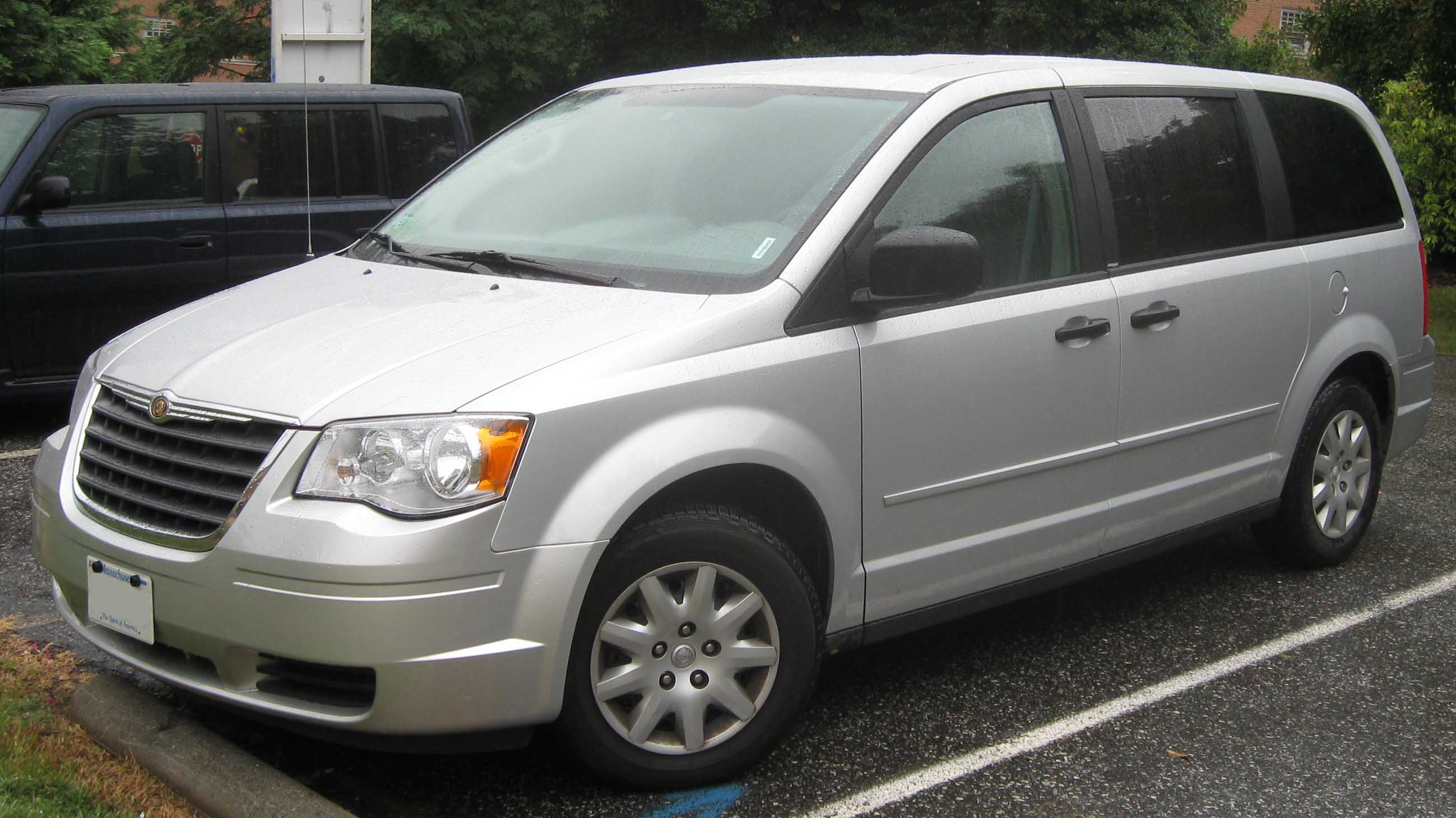 chrysler town & country pics