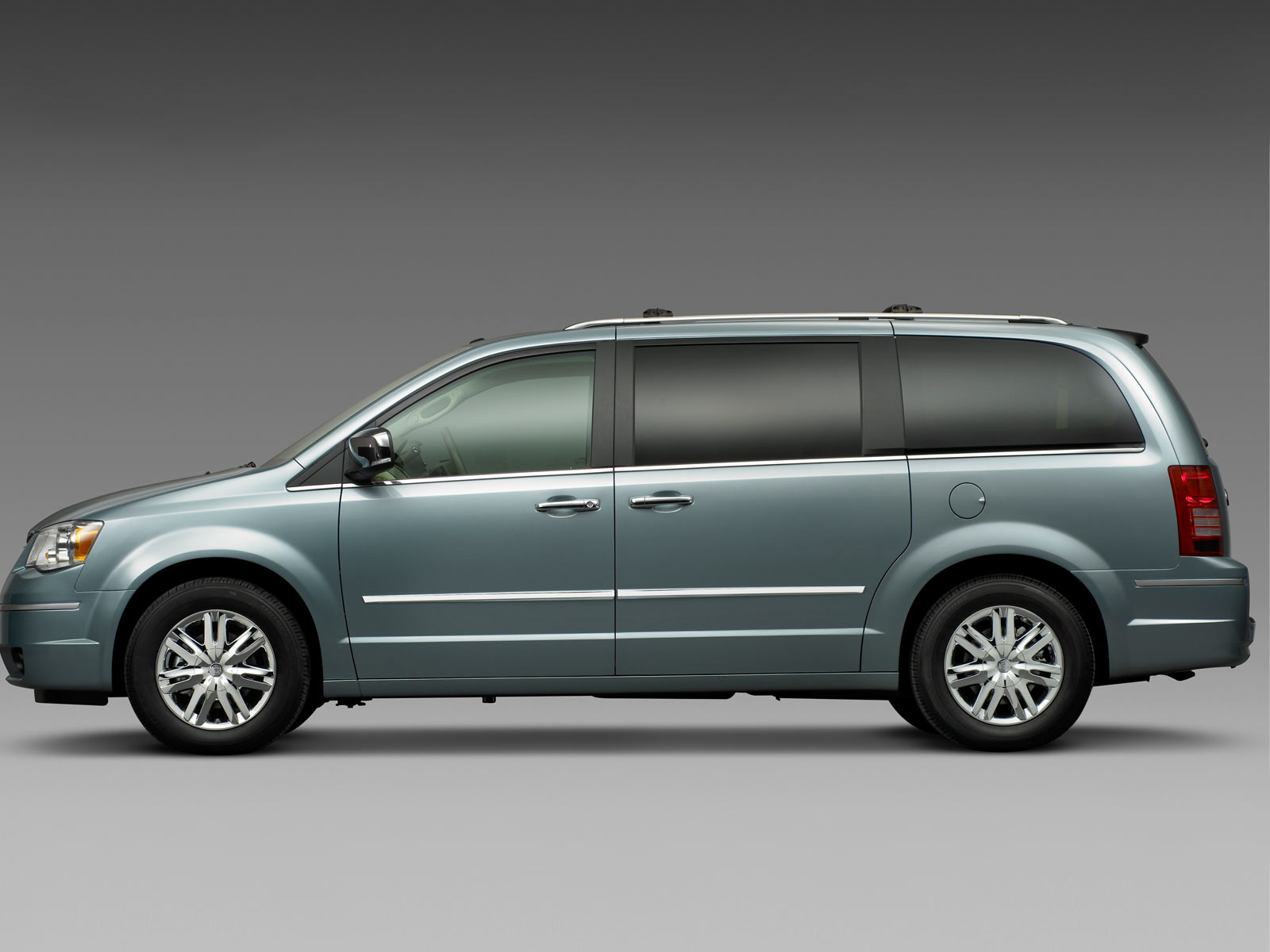 chrysler voyager pictures #10