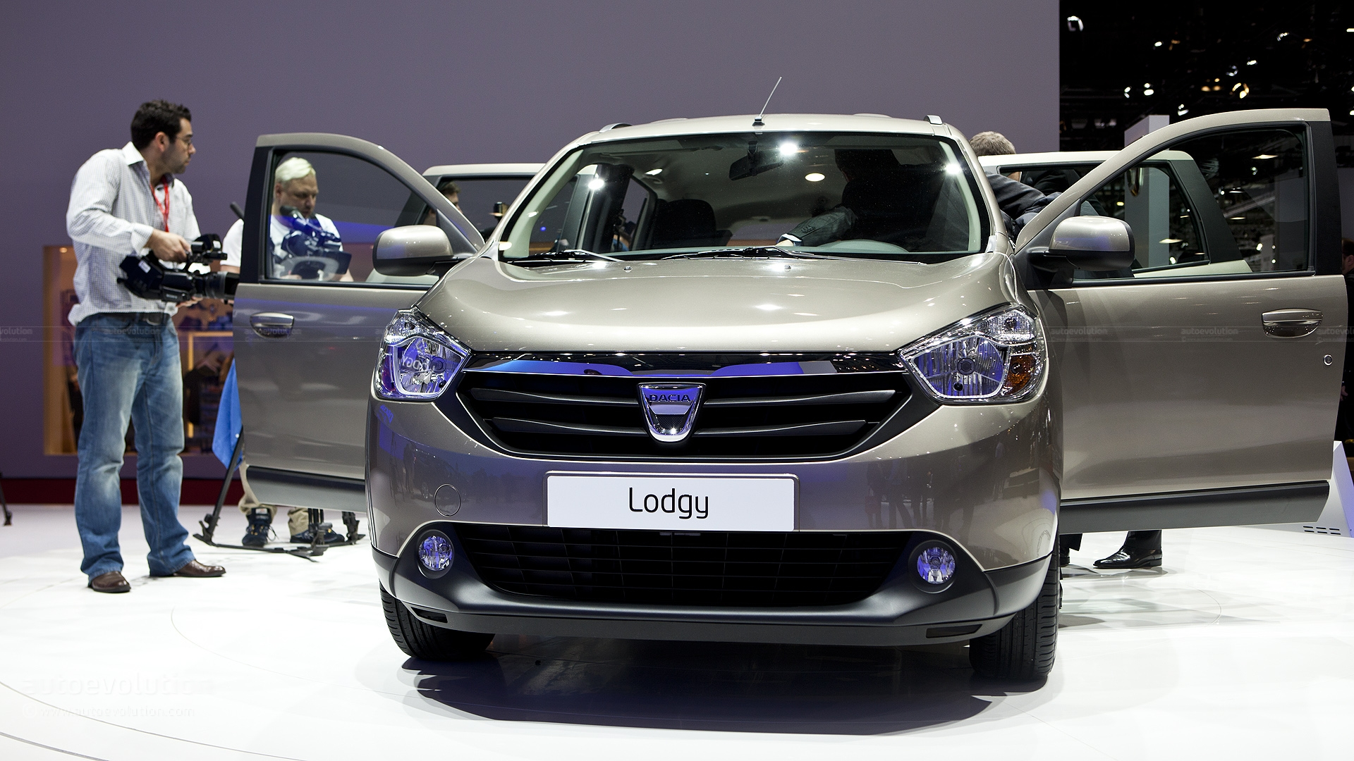 2013 dacia lodgy pictures information and specs auto. Black Bedroom Furniture Sets. Home Design Ideas