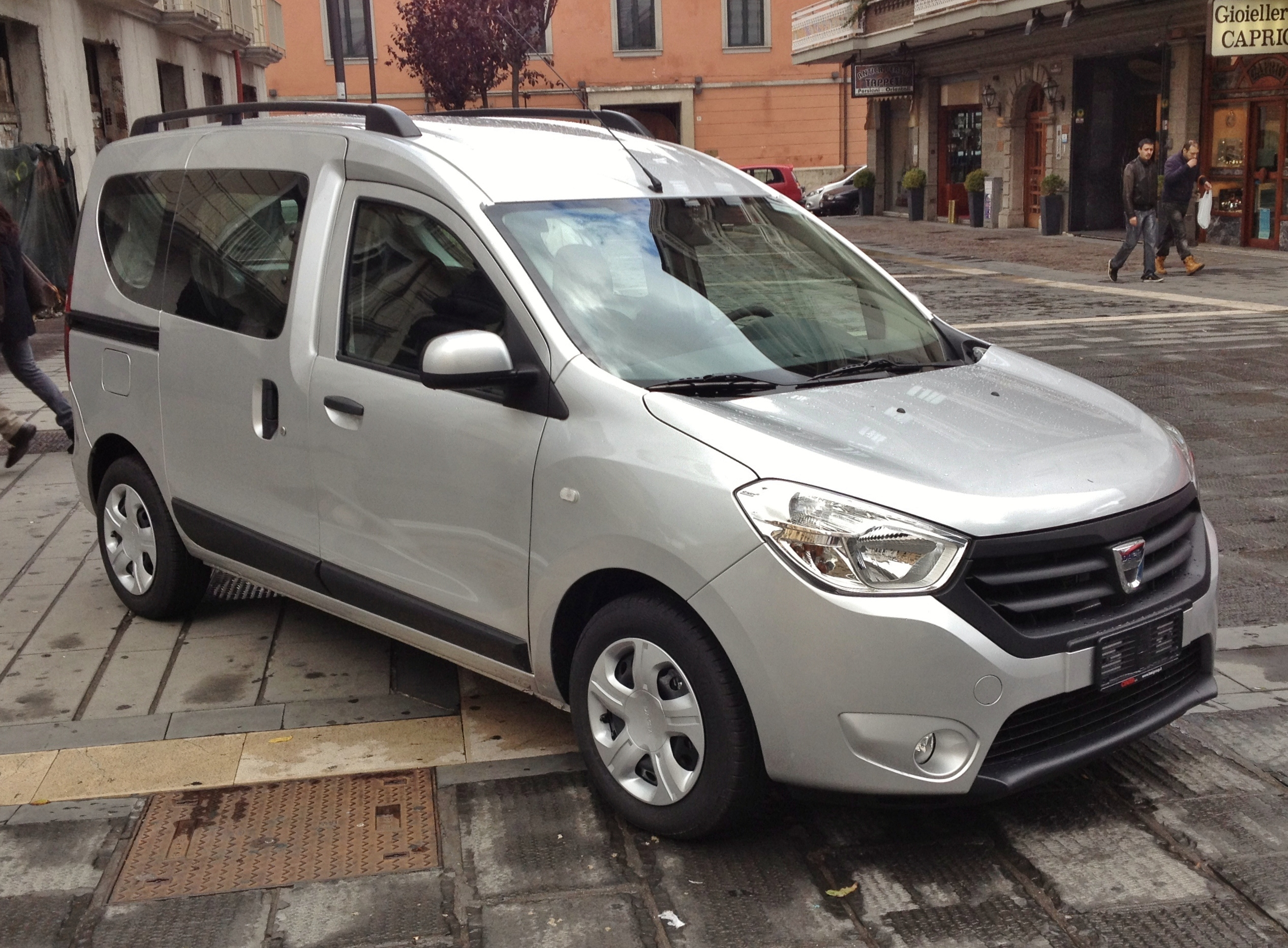 dacia lodgy pictures #9