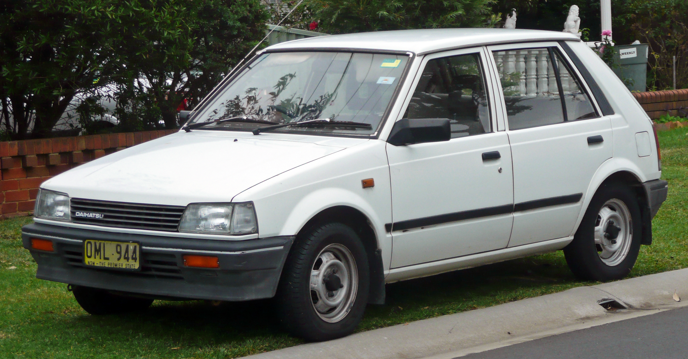 Daihatsu Charade   pictures, information and specs - Auto-Database.com