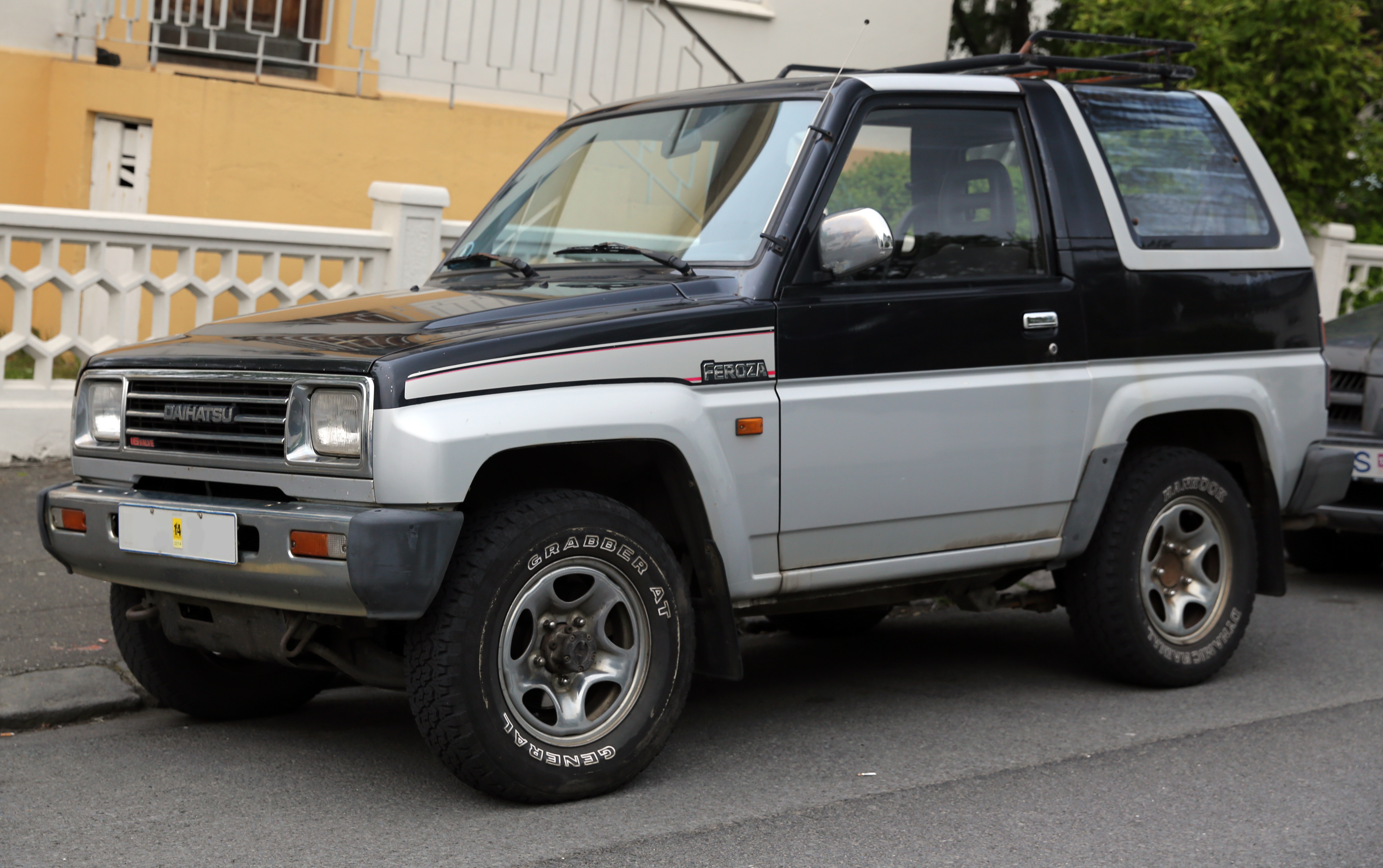 1990 Daihatsu Rocky soft top f7 f8 – pictures information and