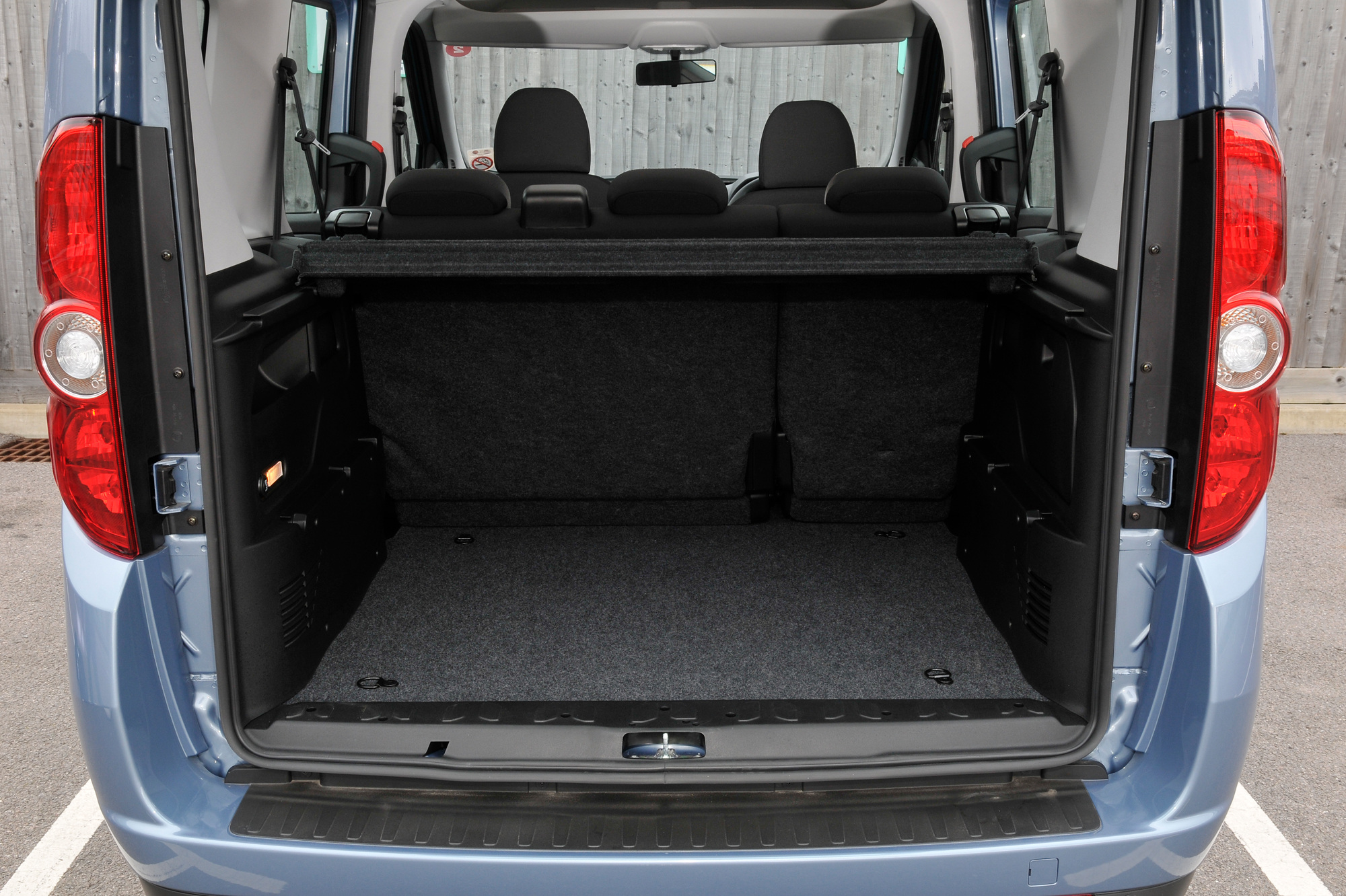 fiat doblo pictures information and specs auto. Black Bedroom Furniture Sets. Home Design Ideas