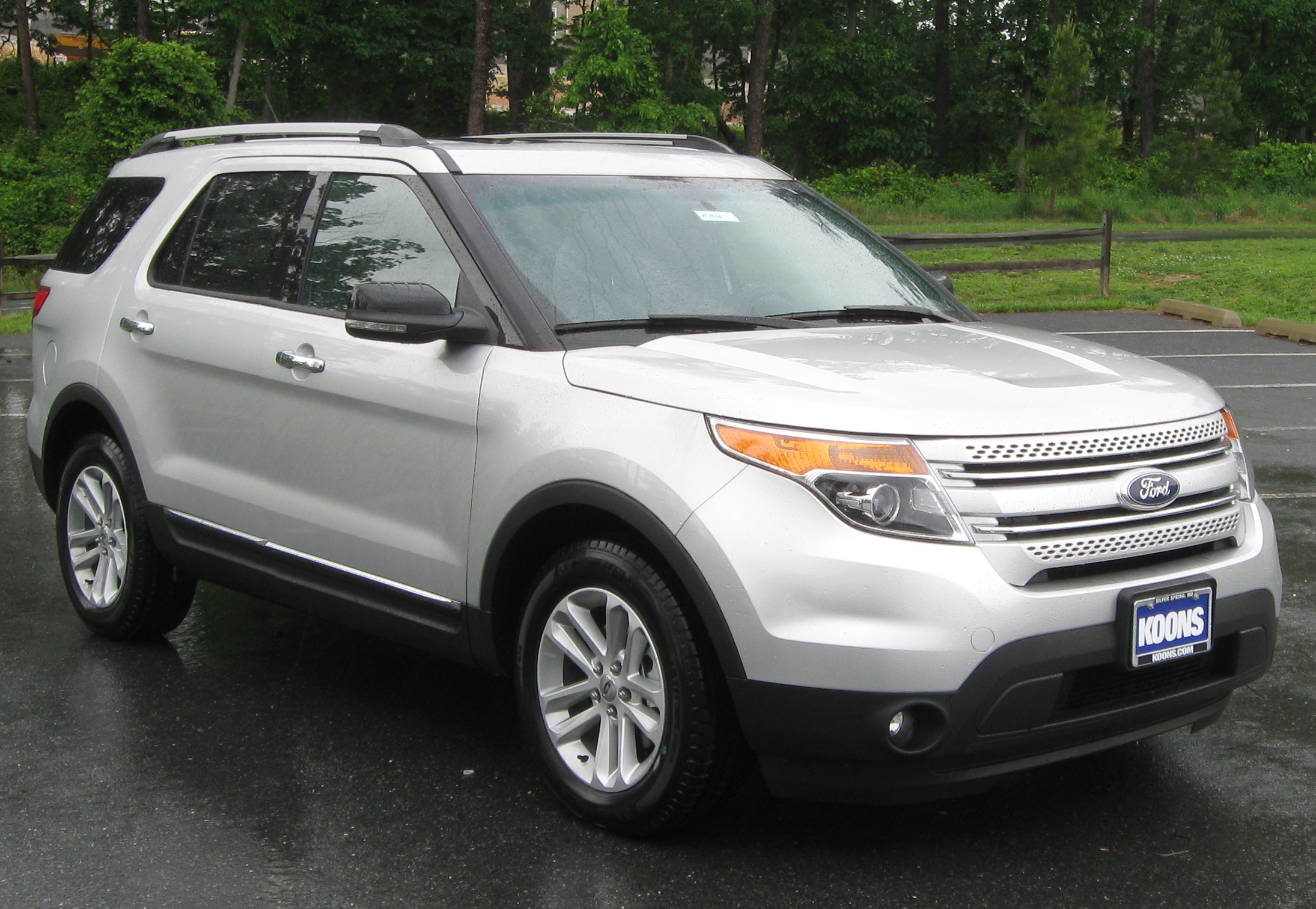 ford explorer images