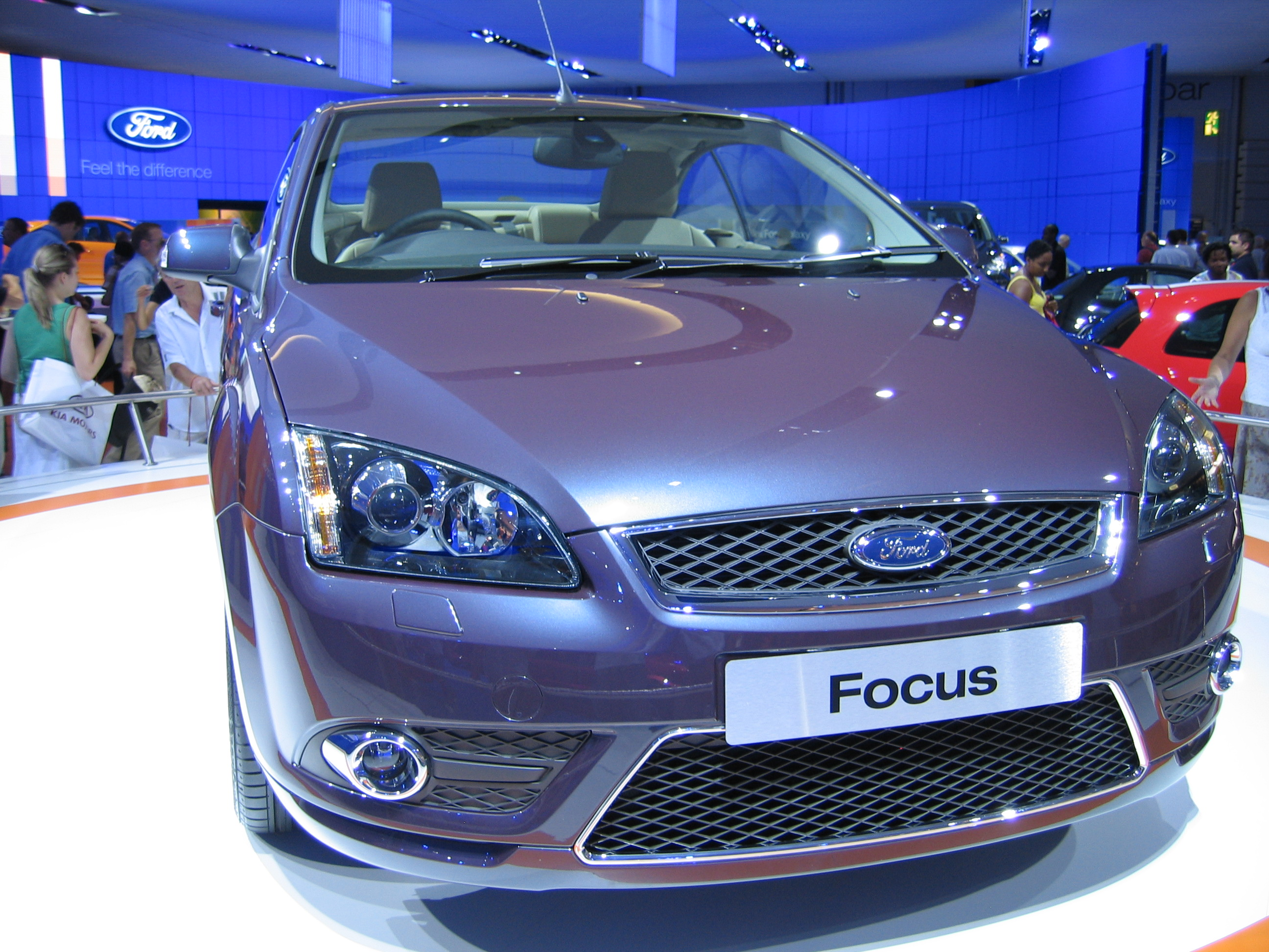ford focus coupe cabriolet ii 2012 wallpaper auto. Black Bedroom Furniture Sets. Home Design Ideas
