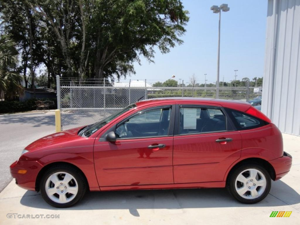 2005 ford focus hatchback pictures information and specs auto. Black Bedroom Furniture Sets. Home Design Ideas