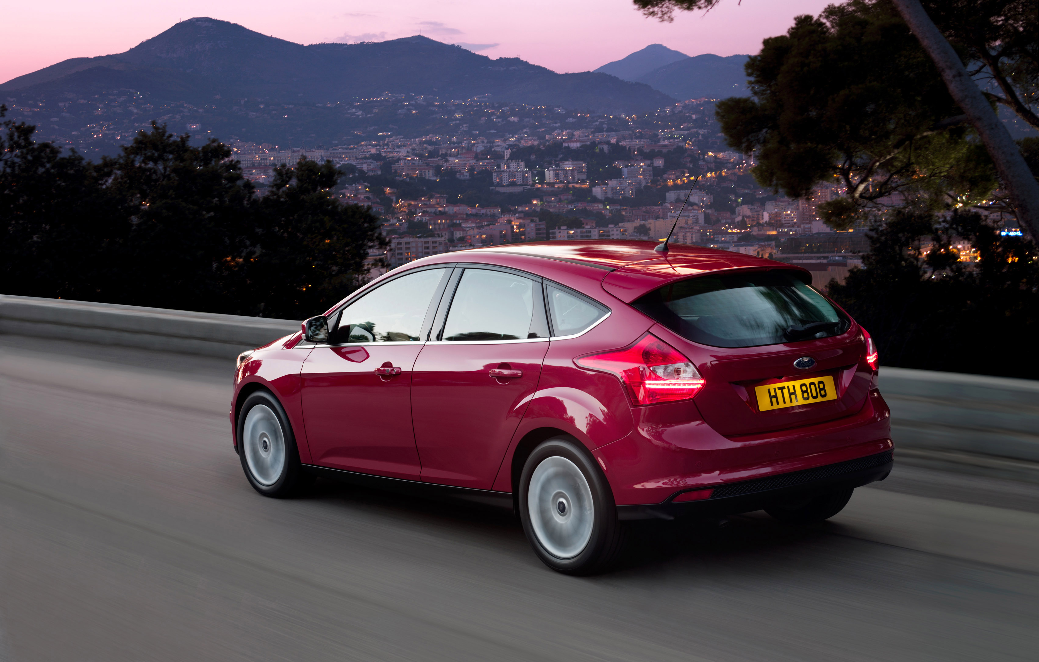 2012 ford focus hatchback iii pictures information and specs auto. Black Bedroom Furniture Sets. Home Design Ideas