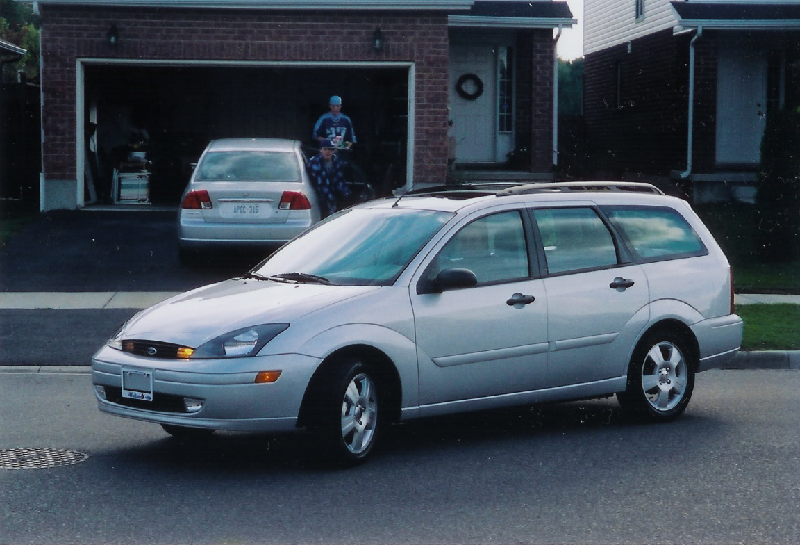 2003 ford focus wagon pictures information and specs auto. Black Bedroom Furniture Sets. Home Design Ideas