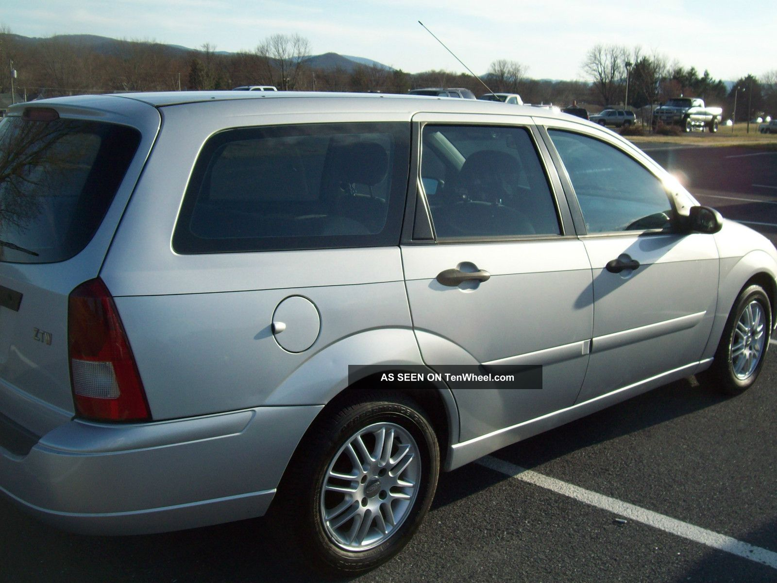 ford focus wagon 2003 images