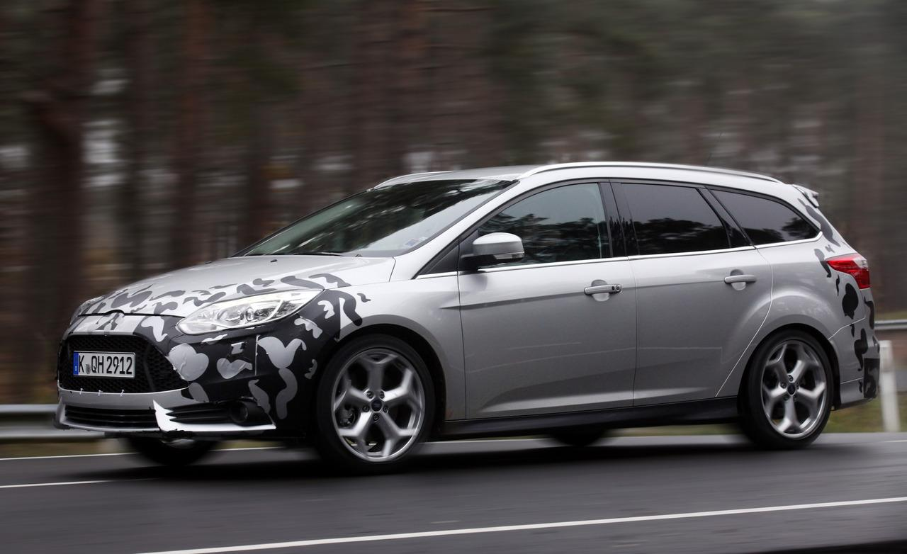 ford focus wagon ii 2013 wallpaper