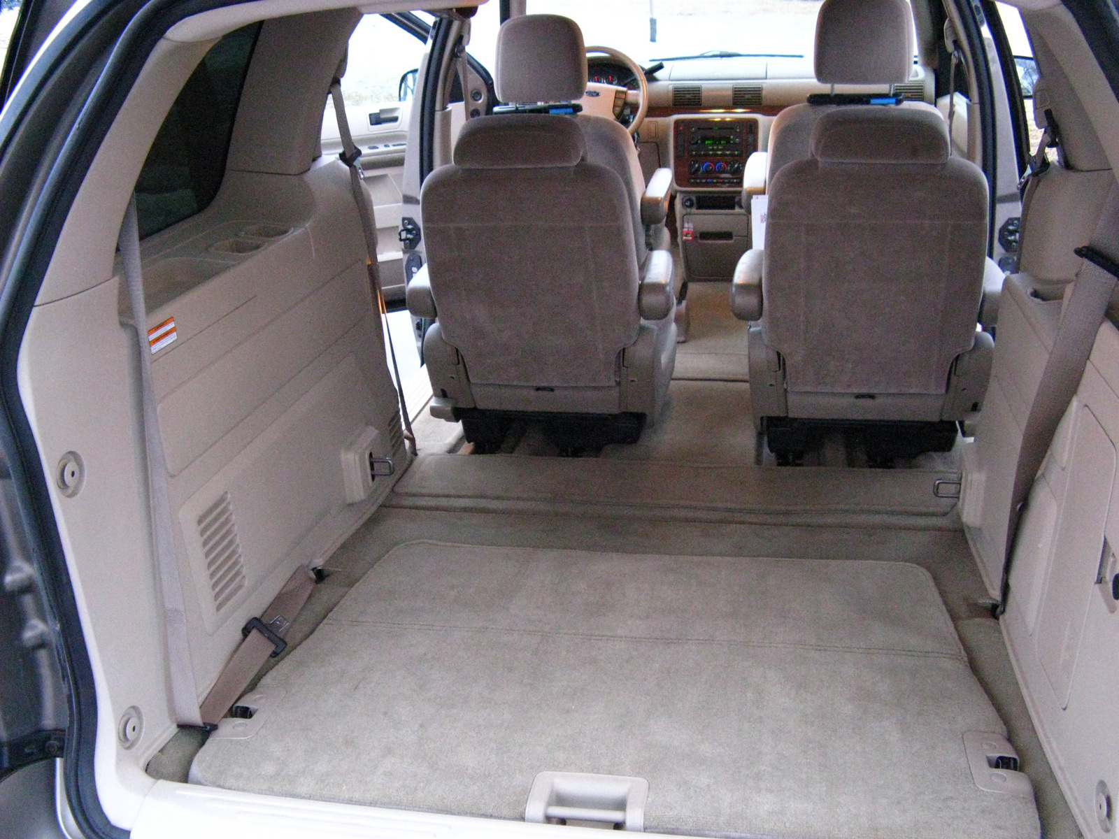 Ford Freestar 2005 Pictures 10