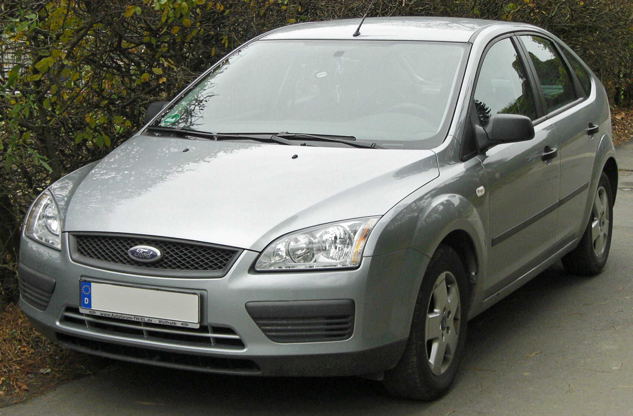 2004 ford mondeo iii hatchback pictures information and. Black Bedroom Furniture Sets. Home Design Ideas