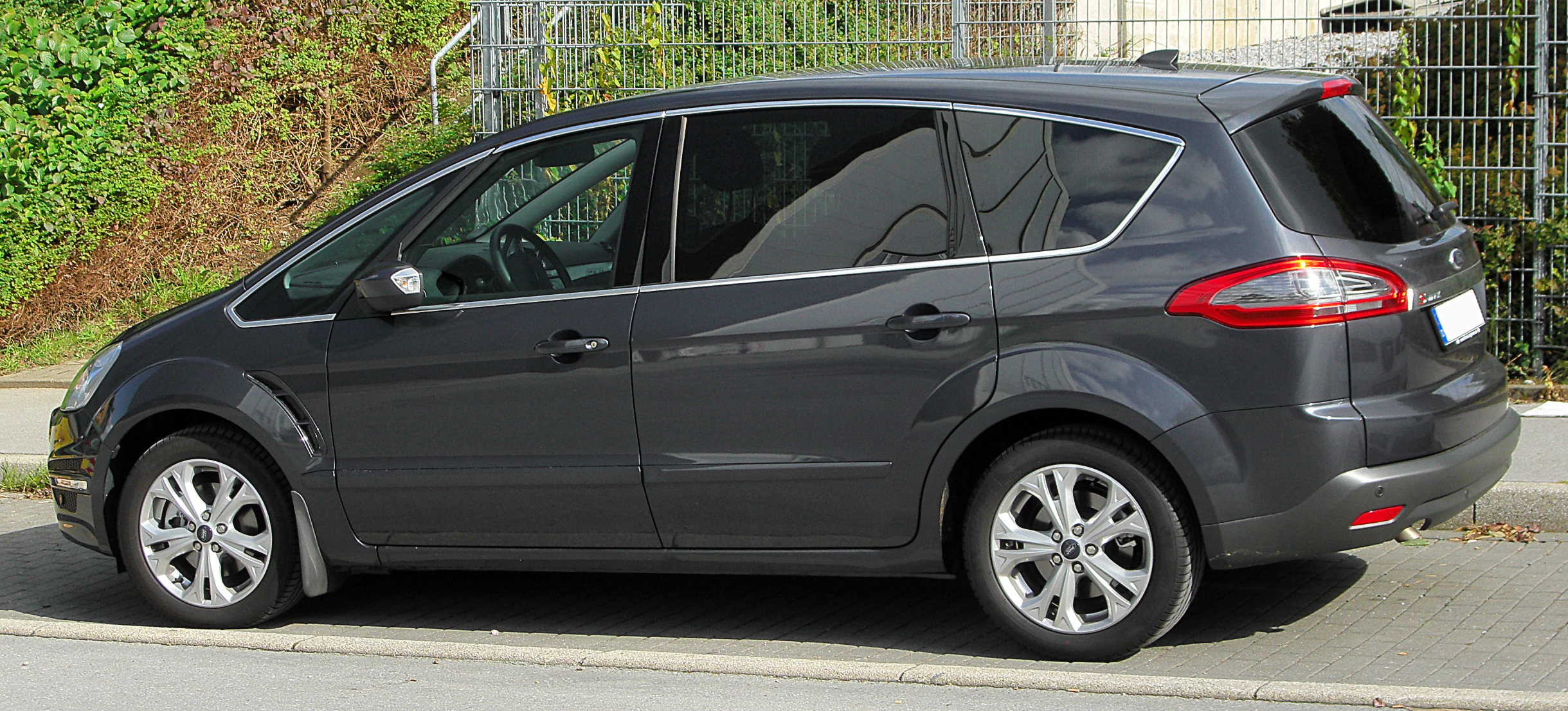 ford s-max pics #7