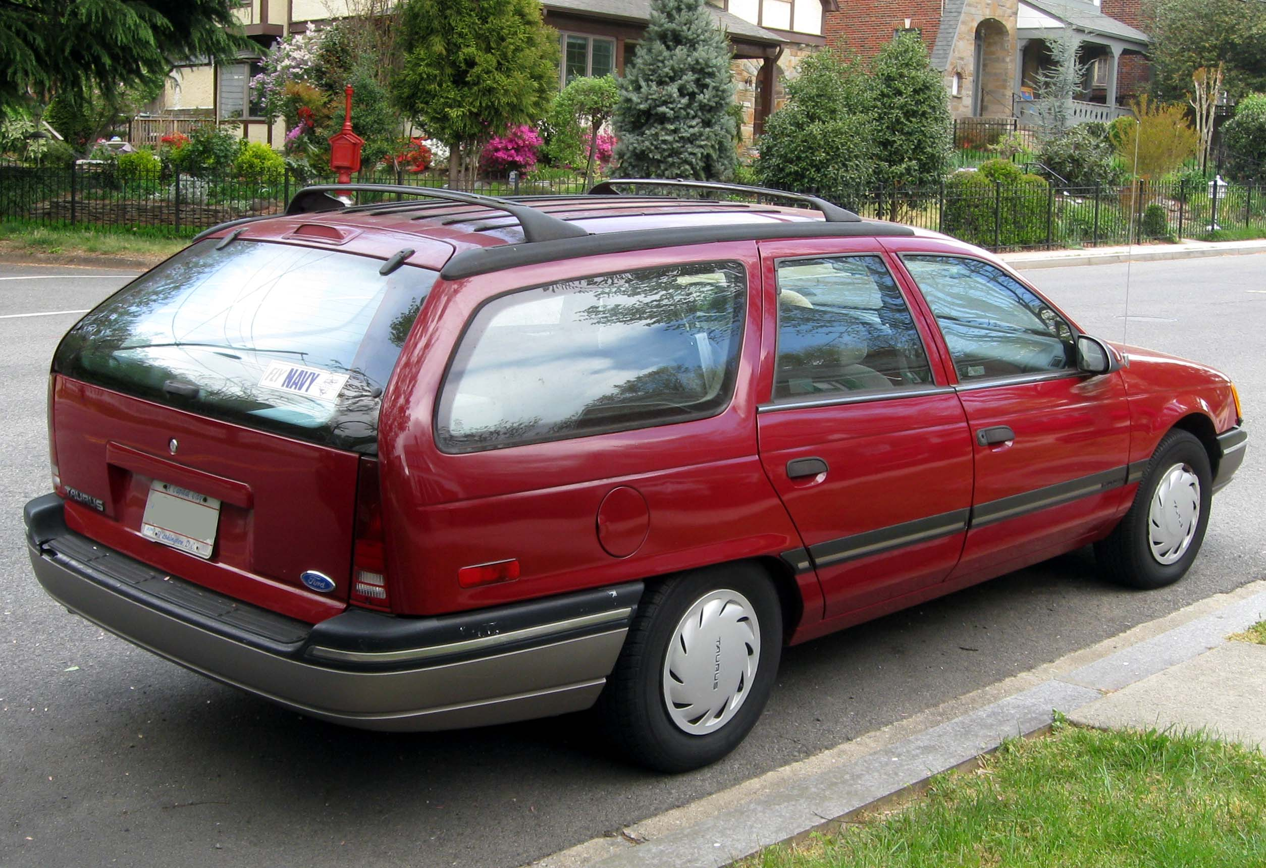 Ford Taurus Station Wagon 1991 Images 1