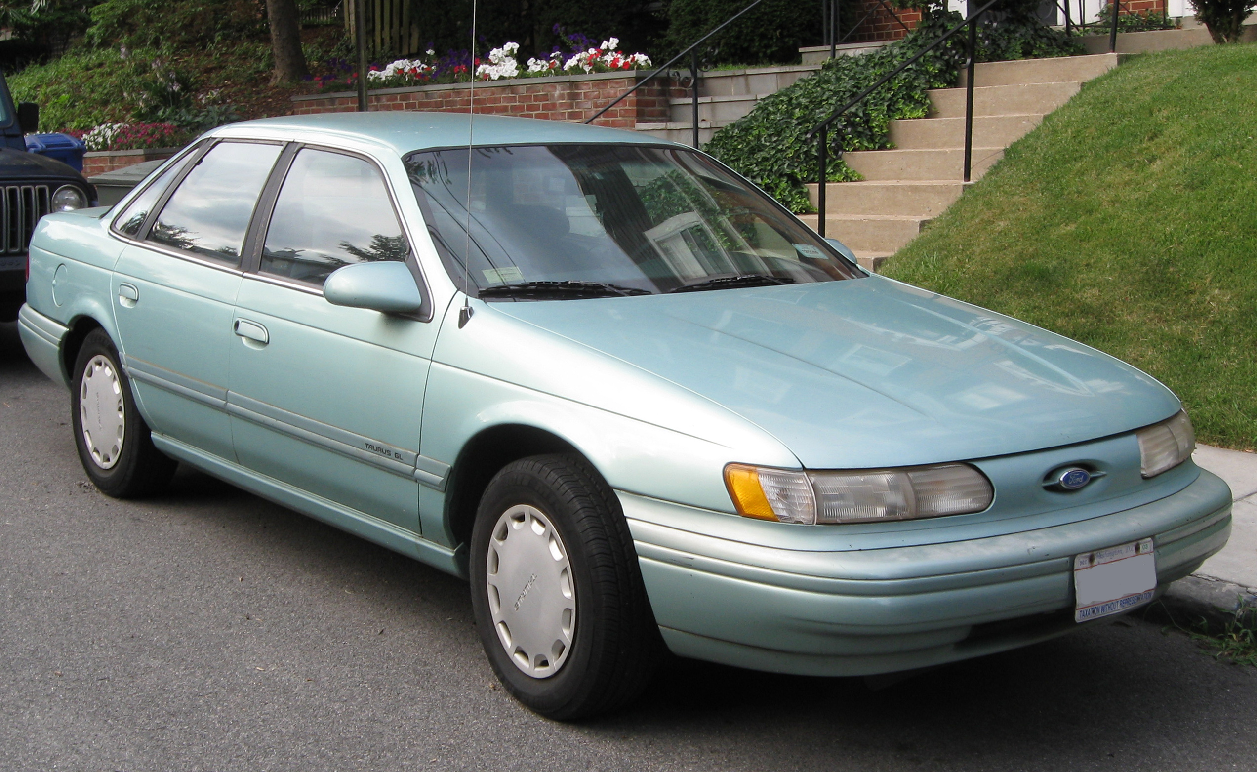 ford taurus station wagon 1992 pictures