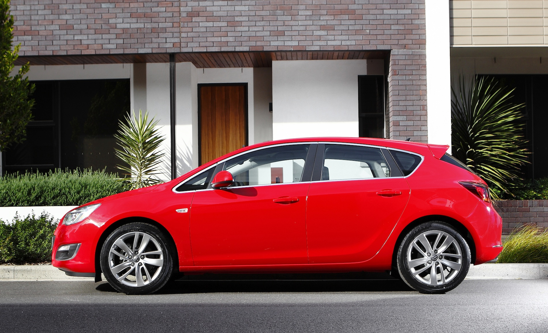 holden astra 2013 images #14