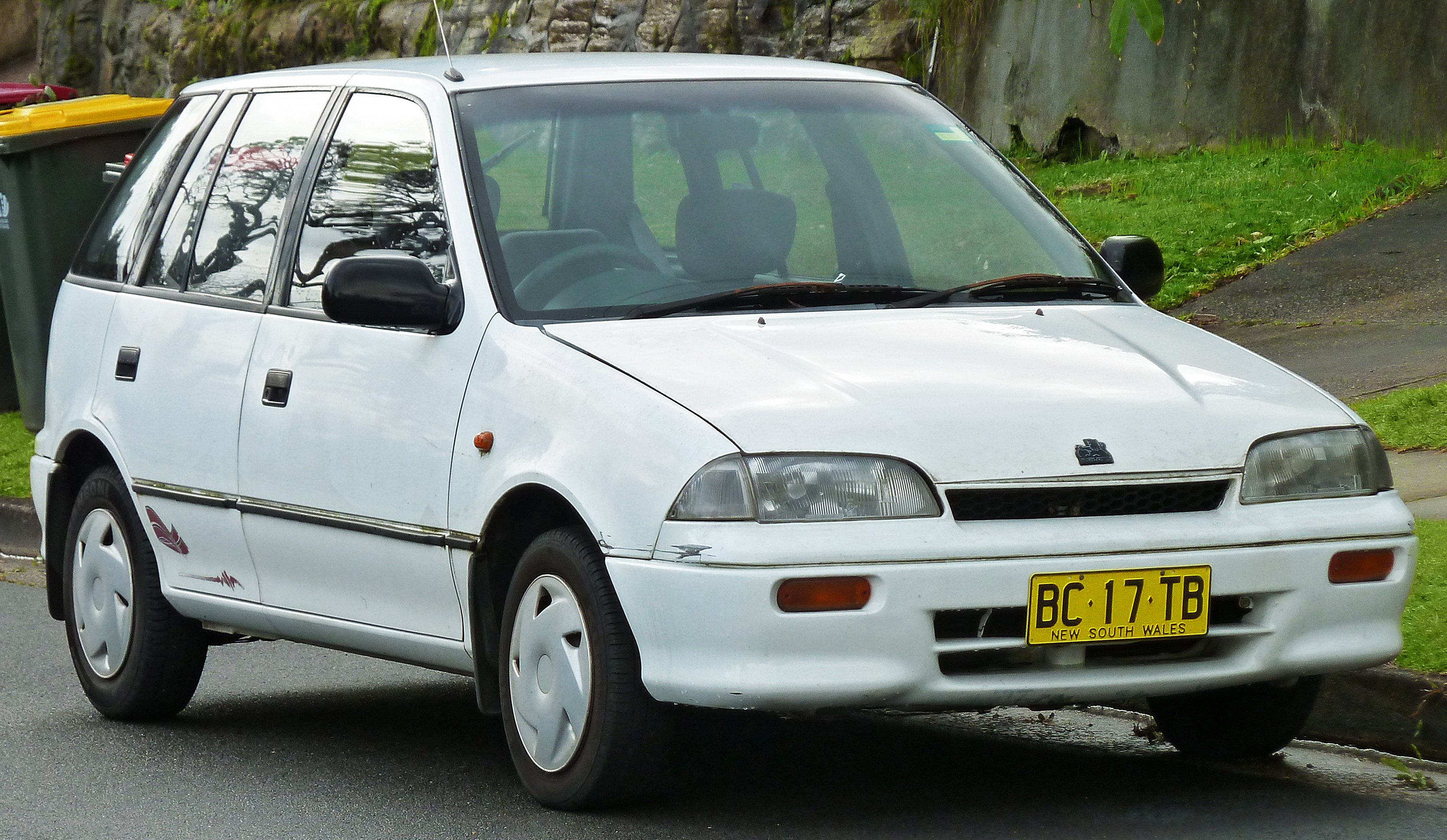 holden barina pictures #2