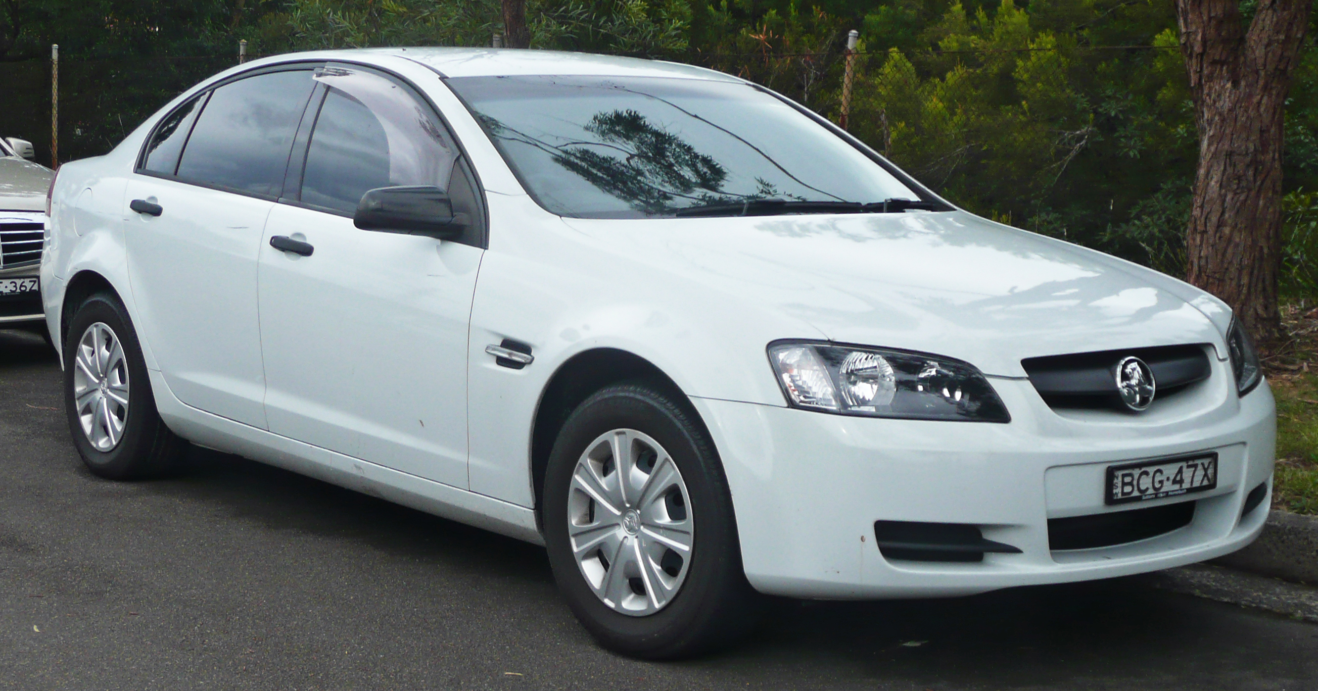 holden commodore images