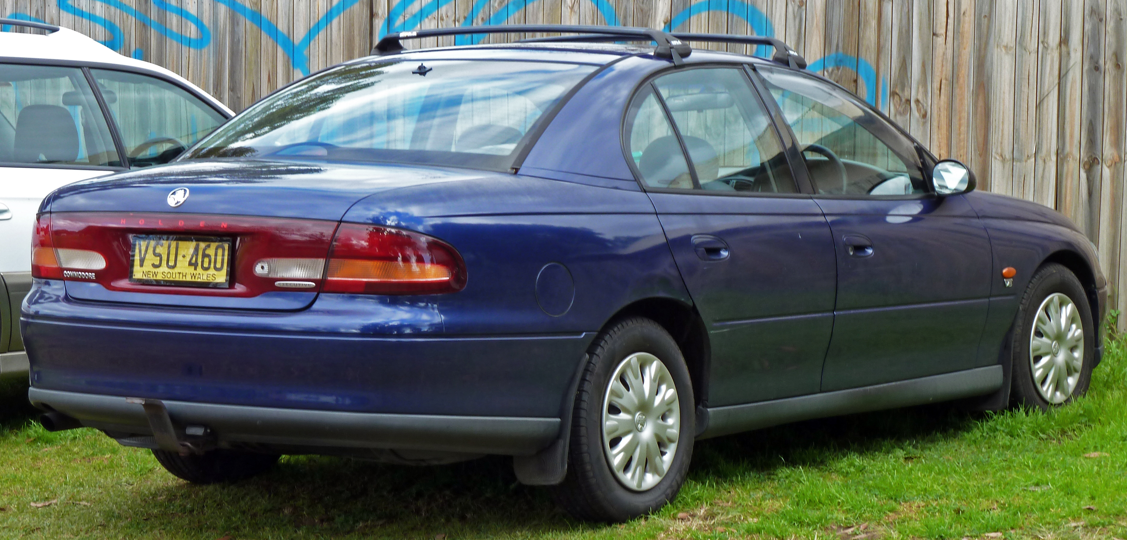 holden commodore (vt) 2010 pictures #7
