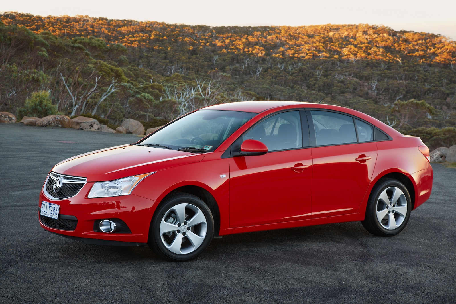 2013 holden cruze pictures information and specs auto. Black Bedroom Furniture Sets. Home Design Ideas