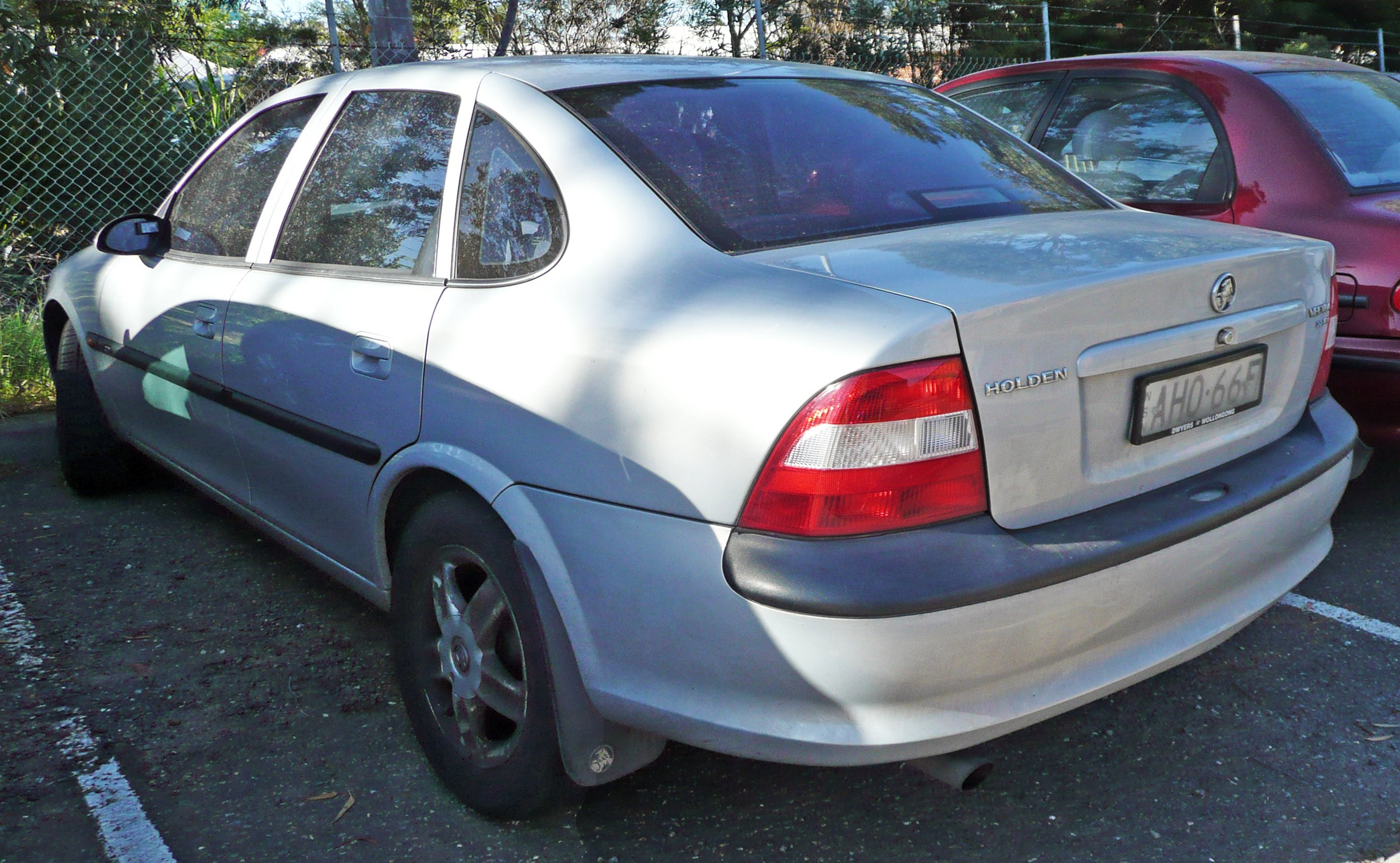 holden vectra hatcback (b) 2002 pictures