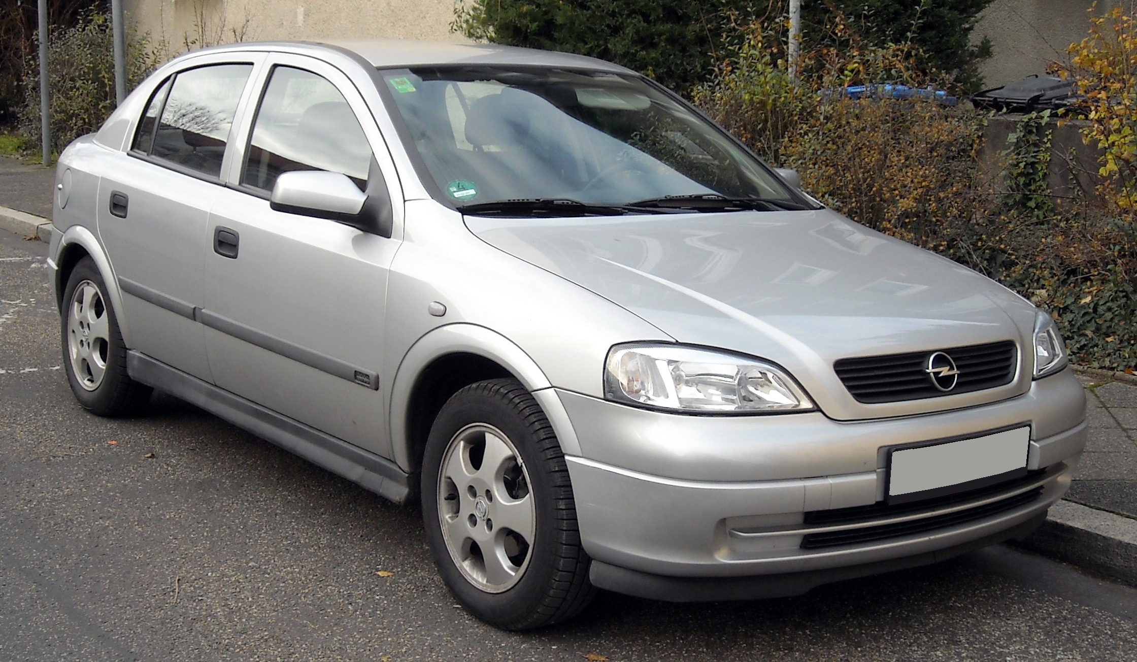 holden vectra hatcback (b) 2004 pictures